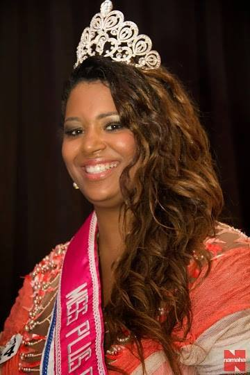Josiane Lira Miss Plus Size Carioca 2013 Makeup: Mônica Silva Foto: Alexandre Namaha #MônicaSilvaMakeup #MissPlusSize #MaquiadoradasMisses #Maquiagem #Desfile maquiagem maquiador(a) consultor(a)