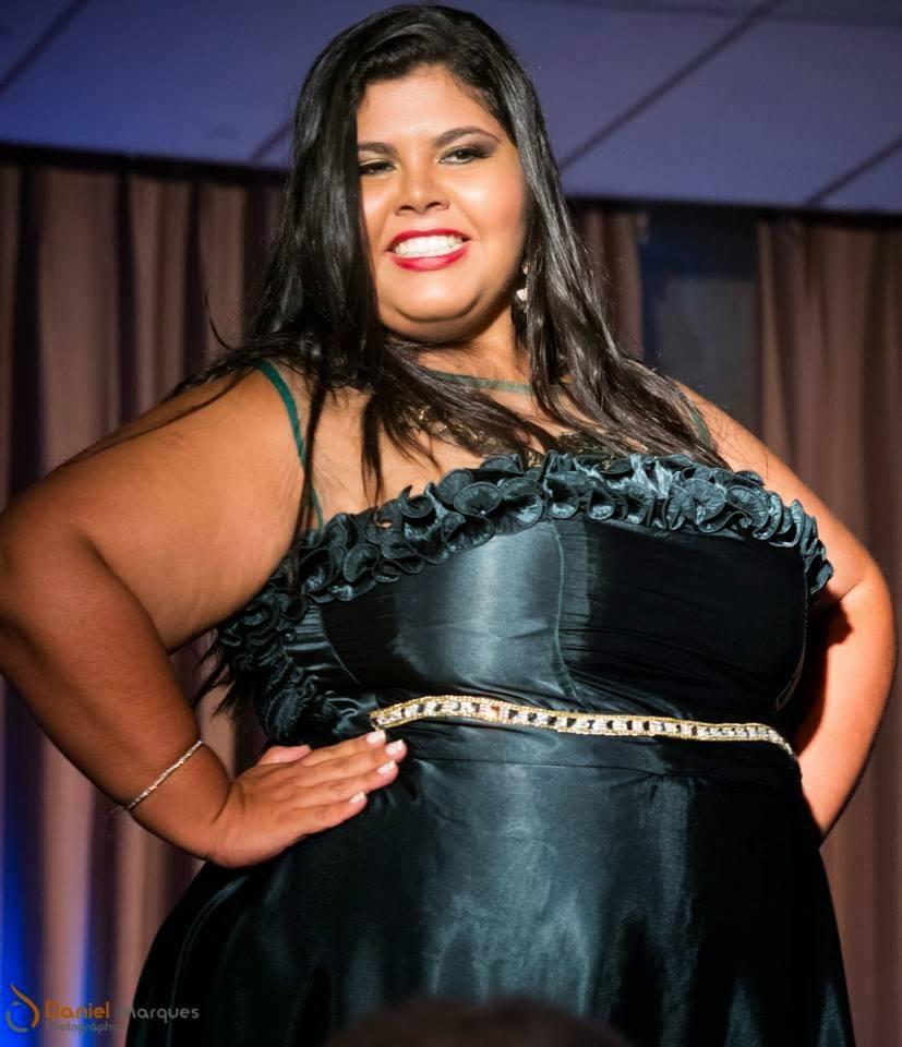 Jeniffer Cristina Candidata ao Miss Plus Size Carioca 2014 Makeup: Mônica Silva Foto: Daniel Marques #MônicaSilvaMakeup #MissPlusSize #MaquiadoradasMisses #Maquiagem #Desfile maquiagem maquiador(a) consultor(a)