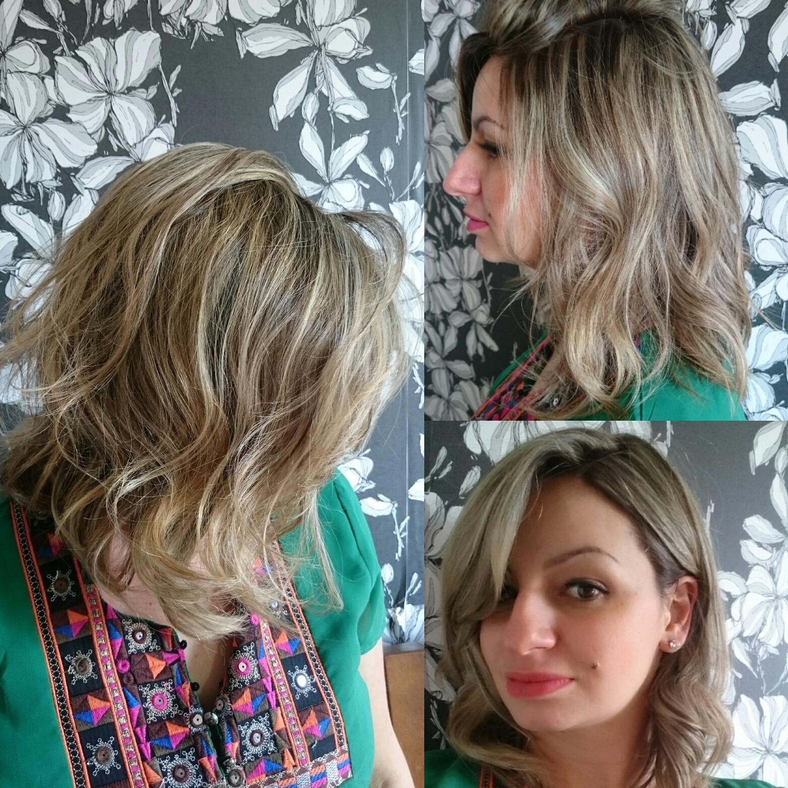 #morenailuminada #luzes #ombrehair #ombrehighlights #canelatostada #blonde #hair #loirodossonhos #job #transformation #transformacao #cabelos #cabelosloiros  #loirossaudaveis #loirosdivos #loirosdourados #loirosamanteigados #loirosperolados #loirosplatinados #pinup #haircut #longbob cabelo cabeleireiro(a) maquiador(a) designer de sobrancelhas