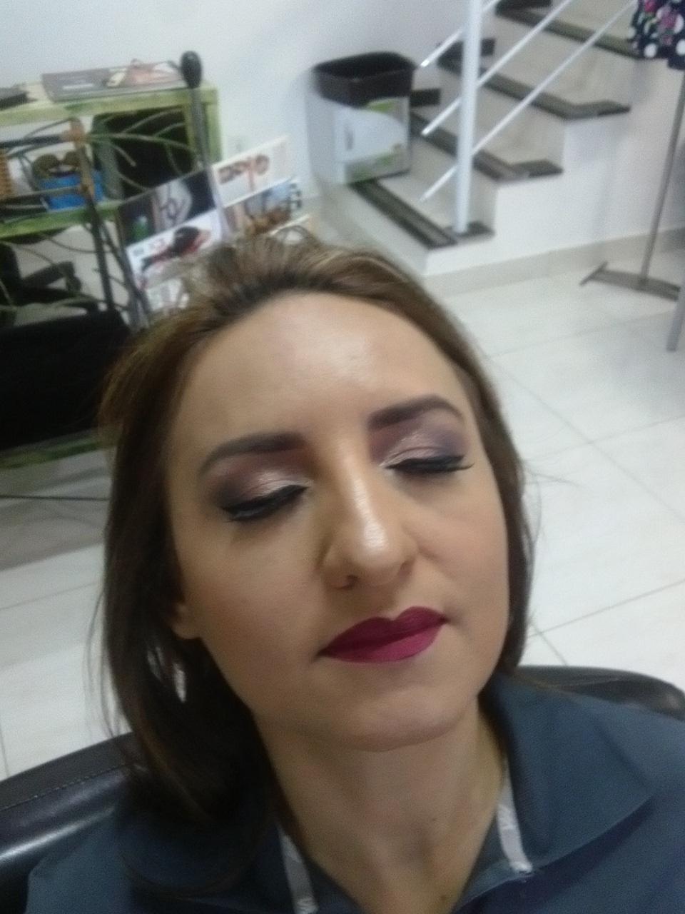 #Maquiagem maquiagem cabeleireiro(a) depilador(a) designer de sobrancelhas maquiador(a) esteticista