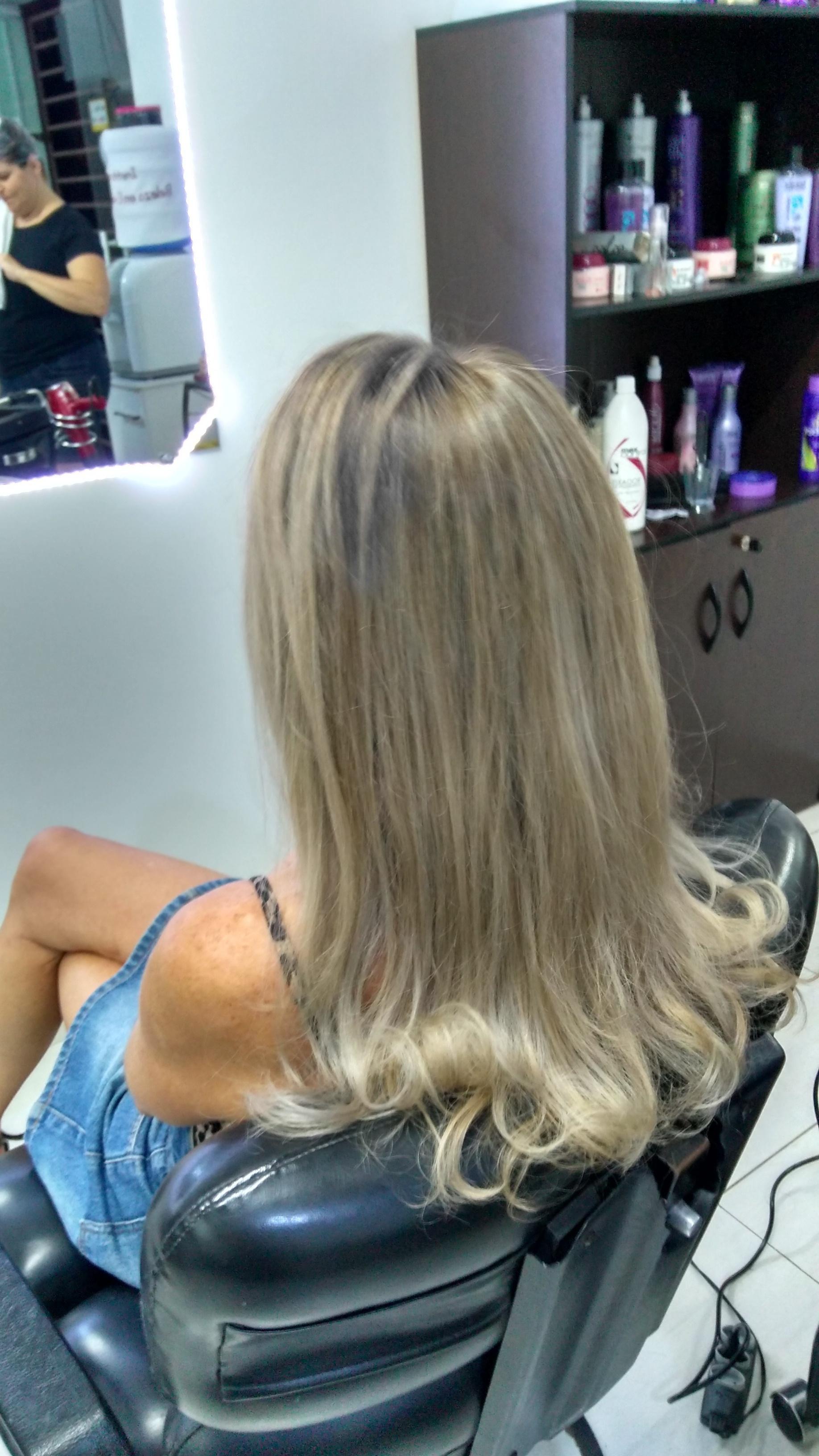 #Correção de fundo de clareamento e Luzes cabelo cabeleireiro(a) depilador(a) designer de sobrancelhas maquiador(a) esteticista