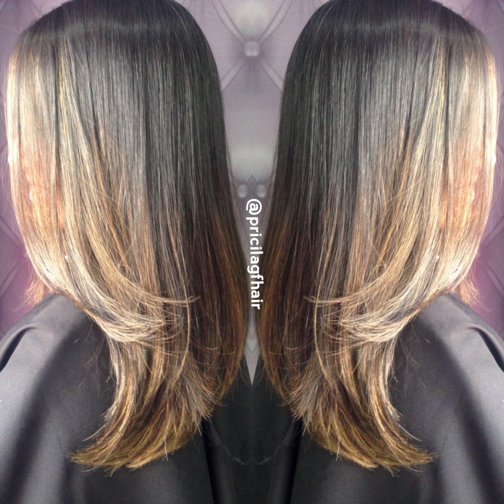 Morena iluminada Loiro perfeito By Pricila Ferreira @pricilagfhair #loiros #loirodosonhos #luzes #mechas #ombrehair #hair #loirodivo #platinado #cabelo #morenailinada cabelo cabeleireiro(a) maquiador(a) designer de sobrancelhas