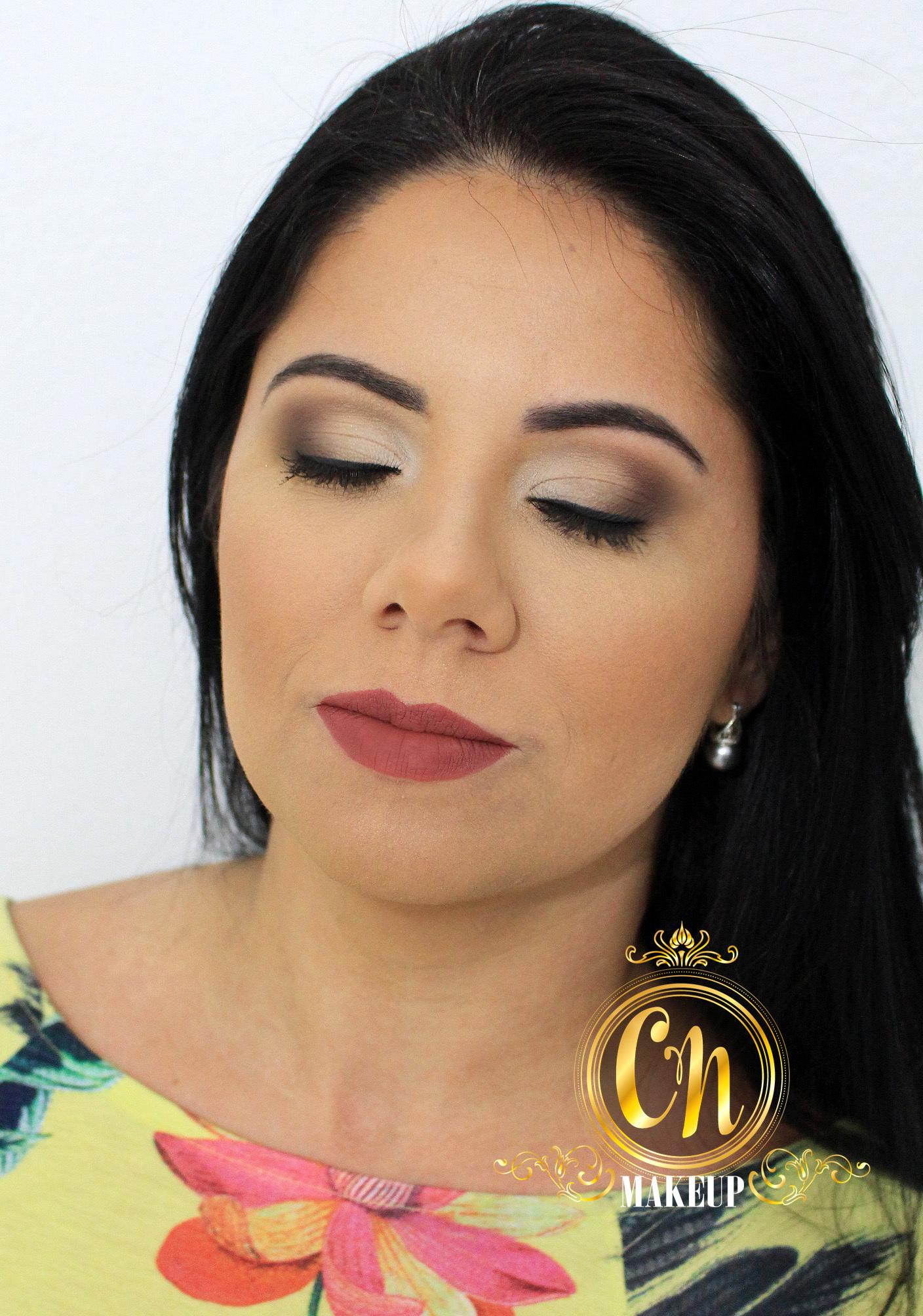 Também faço maquiagens para eventos casuais diurnos, como reuniões, encontro com amigos, e vários outros. Maquiagem leve e neutra!  #maquiagemneutra #maquiagemdia #makeup #maquiagemleve  maquiagem maquiador(a)