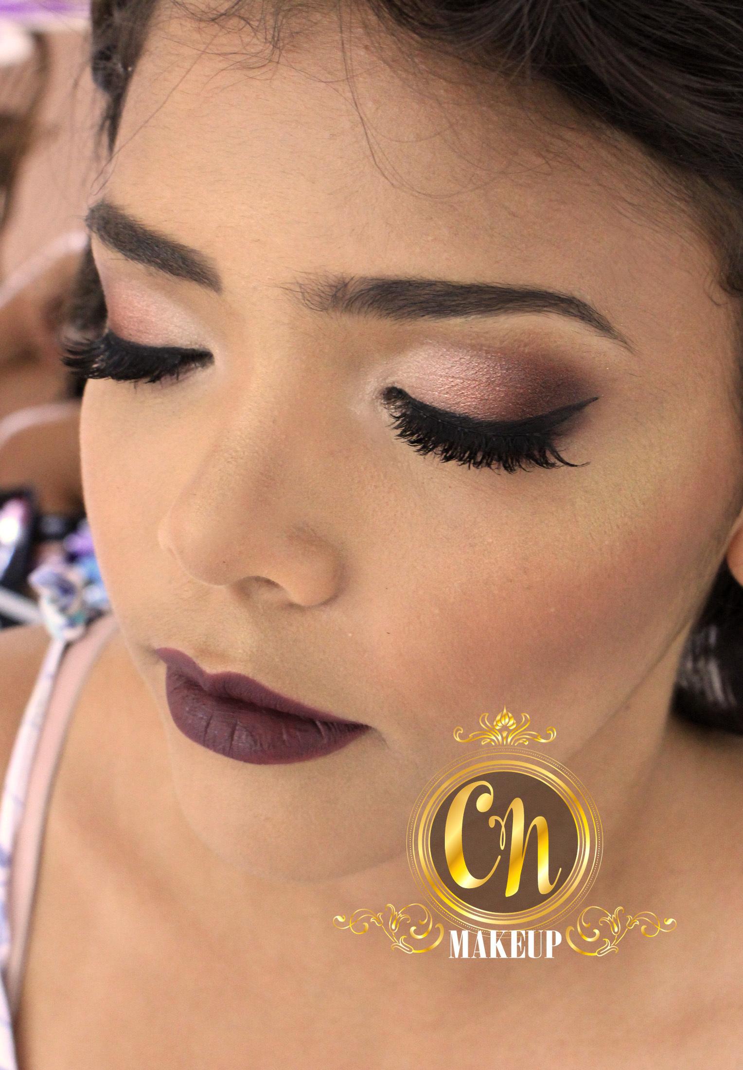 Maquiagem neutra, porém poderosa! Formanda linda! #maquiagemformatura #maquiagemformanda #maquiagemousada #bocatudo  maquiagem maquiador(a)