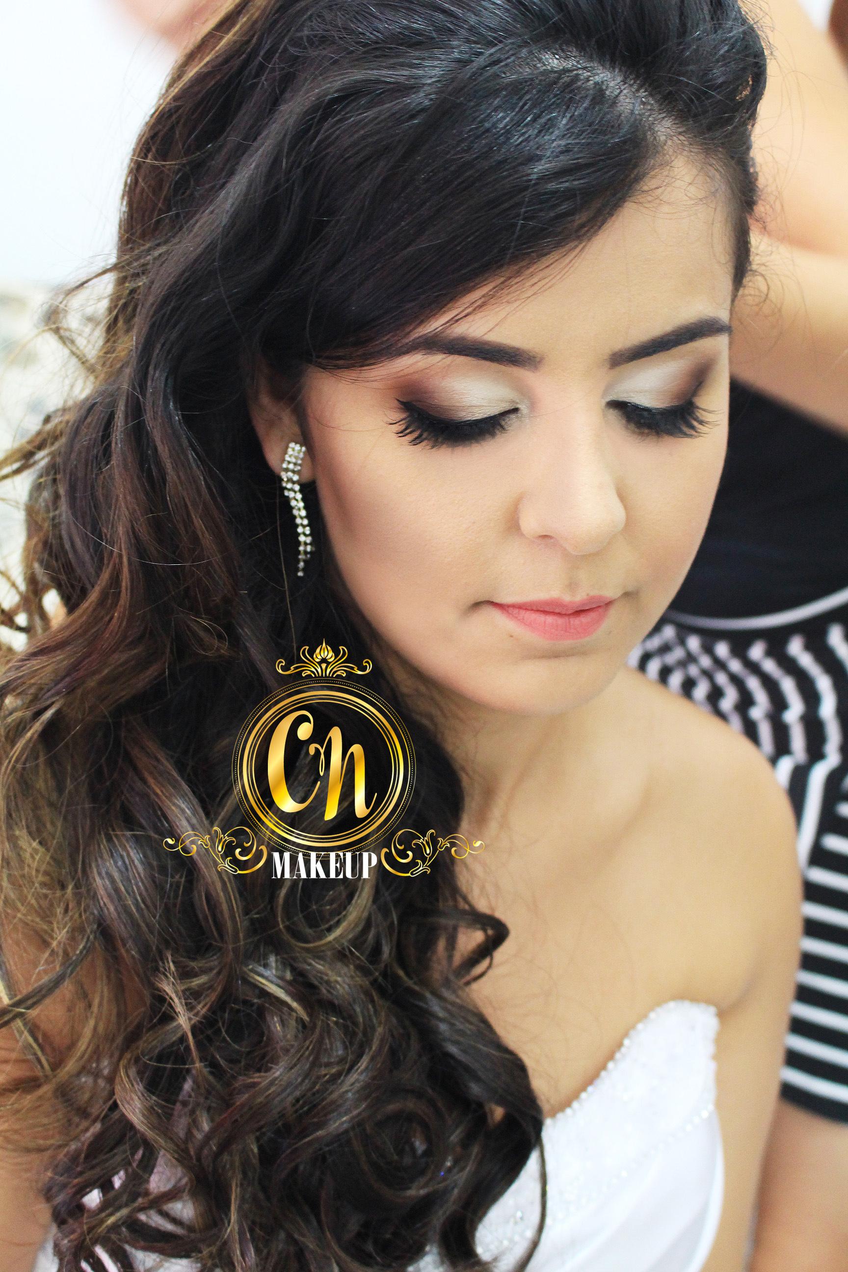 Noiva linda!! Maquiagem neutra feita para casamento diurno, a noiva optou por batom clarinho, mas é opcional, vai do seu gosto! #maquiagemnoiva #maquiagemcasamento #maquiagemcaraguatatuba #maquiadoraubatuba maquiagem maquiador(a)
