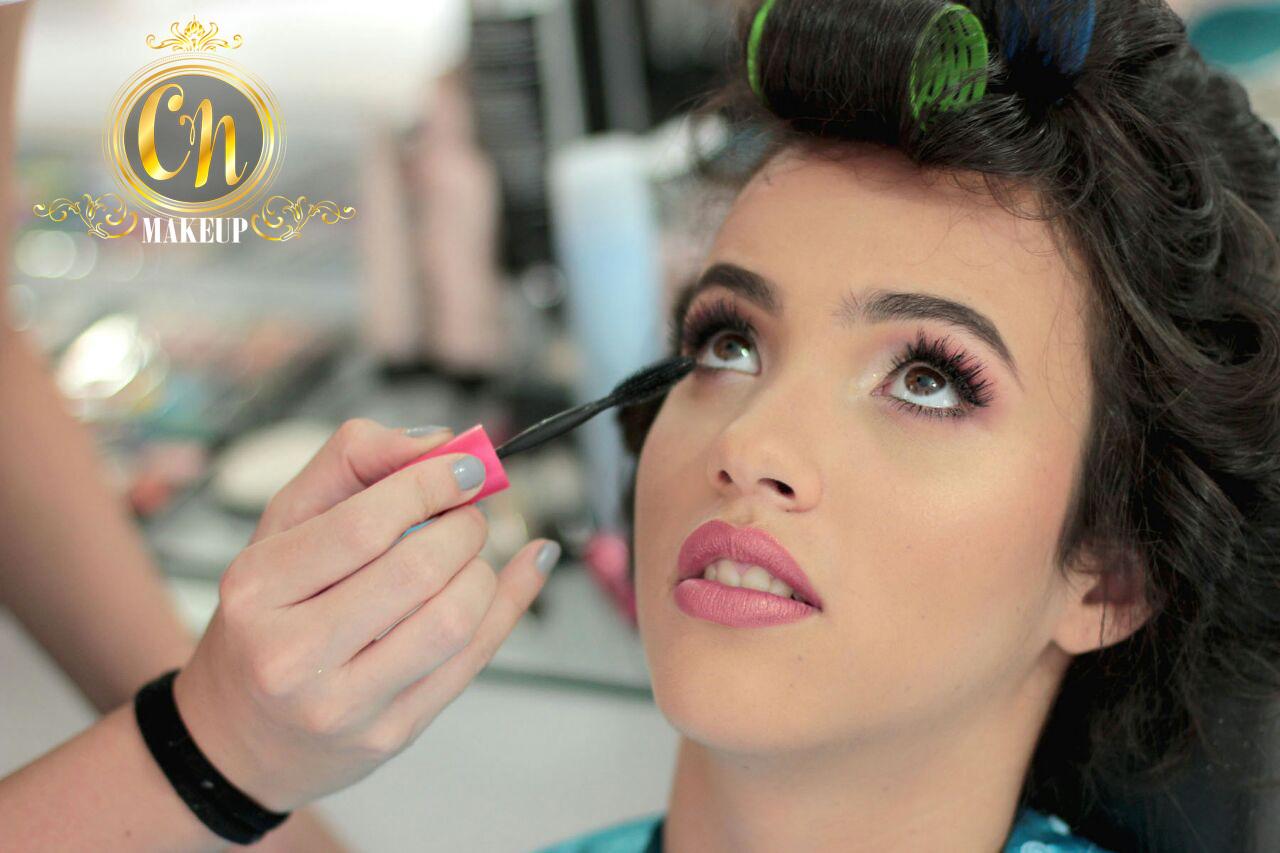 Maquiagem delicada e fofinha para a debutante ♥ #maquiagemdebutante #debutantes #15anos #15anosmaquiagem #festadeaniversario #maquiadora maquiagem maquiador(a)