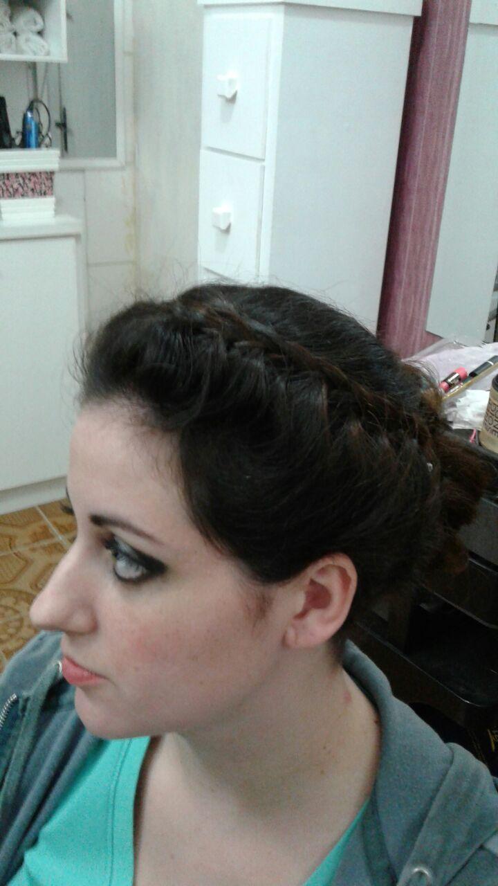 Cabelo e maquiagem cabelo cabeleireiro(a)