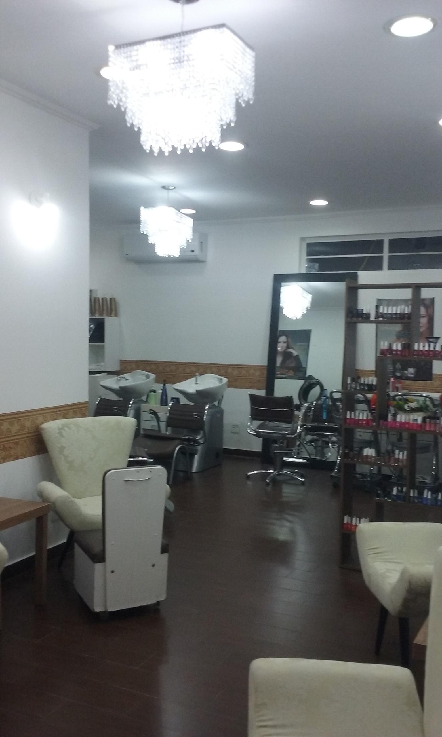 Esmaltaria Studio Beauty unha empresário(a) / dono de negócio