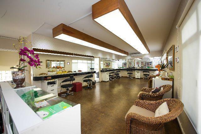 Salão FK ESMALTERIA CABELO E BELEZA, nosso espaço conta com 6 posições para cabelereiro. cabelo empresário(a)