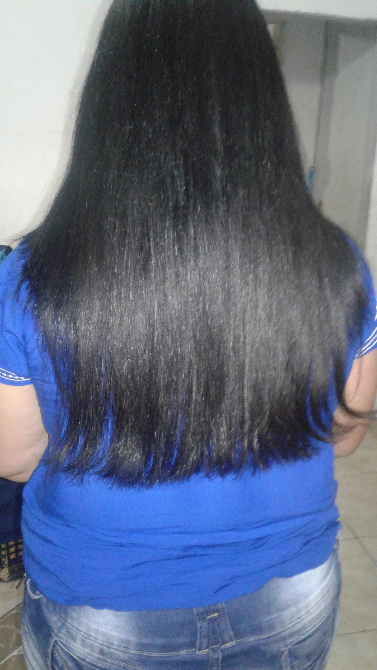 Eu tenho curso profissional de cabeleireira . Desejo uma oportunidade para trabalhar em salao de cabeleireiros  para adquirir mas experiência  . Atualmente  eu trabalho em casa fazendo alguns cabelo já  tenho mais abilidades com escova escova progressiva  aplicação  de tintura e hidratação  trabalhando em casa .esse é  um dos meus trabalhos  .  cabelo auxiliar cabeleireiro(a)
