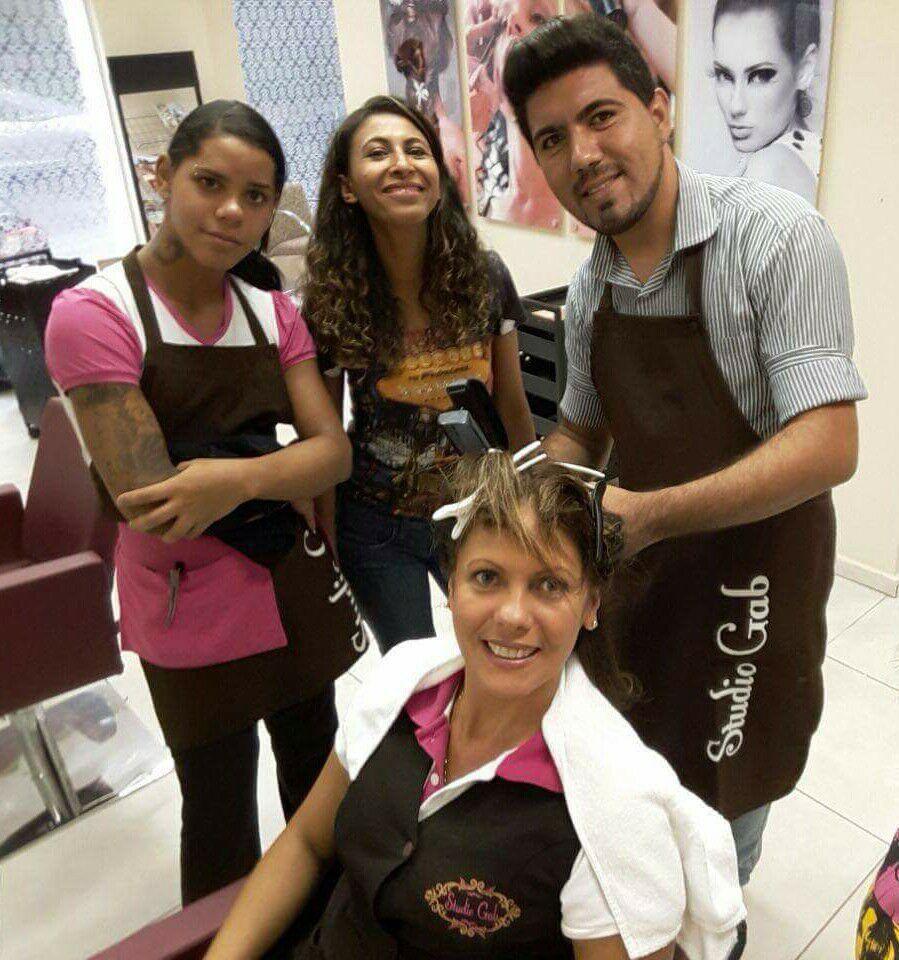 Tratamento L'Oréal cabelo auxiliar cabeleireiro(a) barbeiro(a)