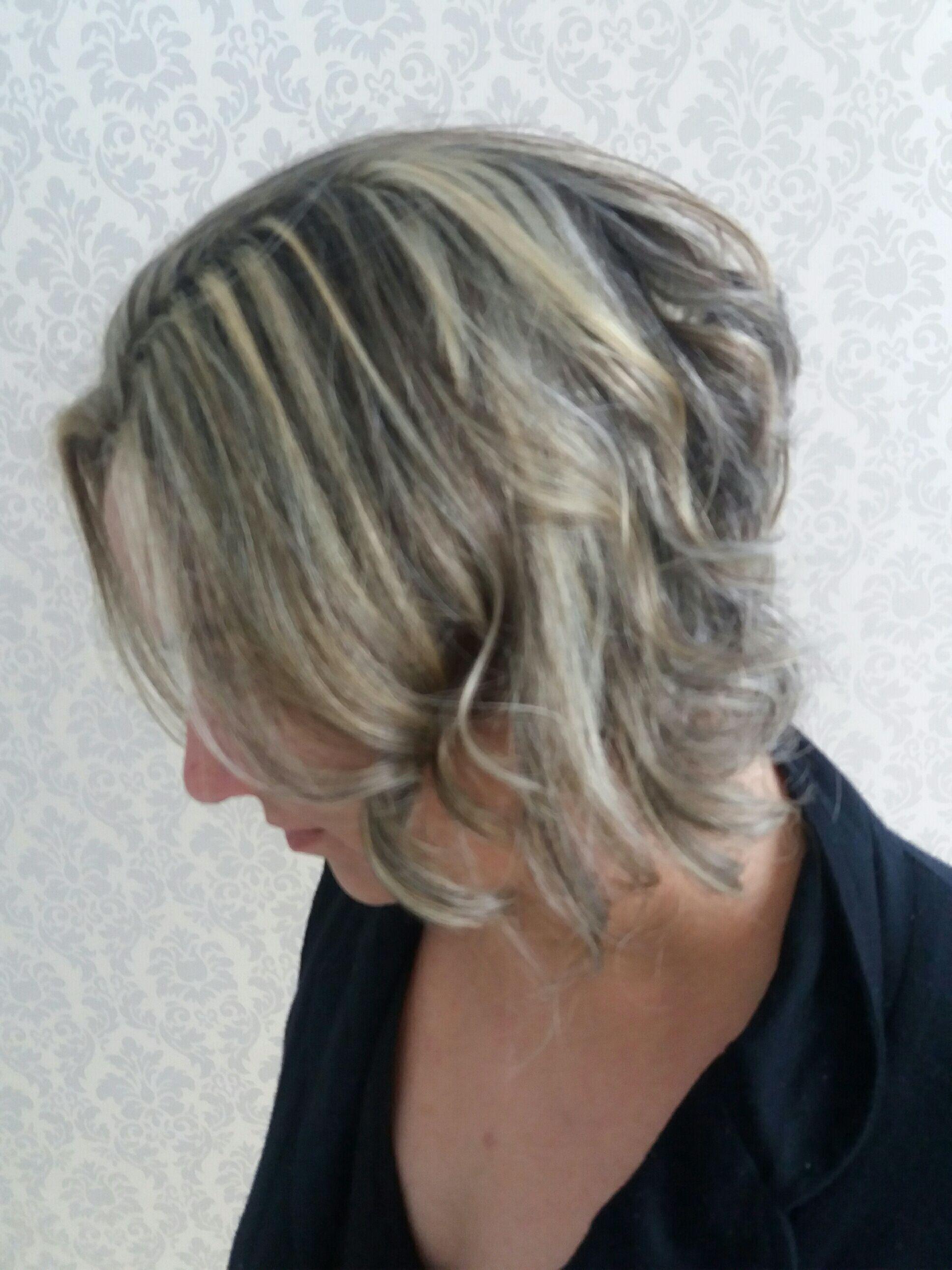 cabelo cabeleireiro(a) maquiador(a) cabeleireiro(a) cabeleireiro(a)