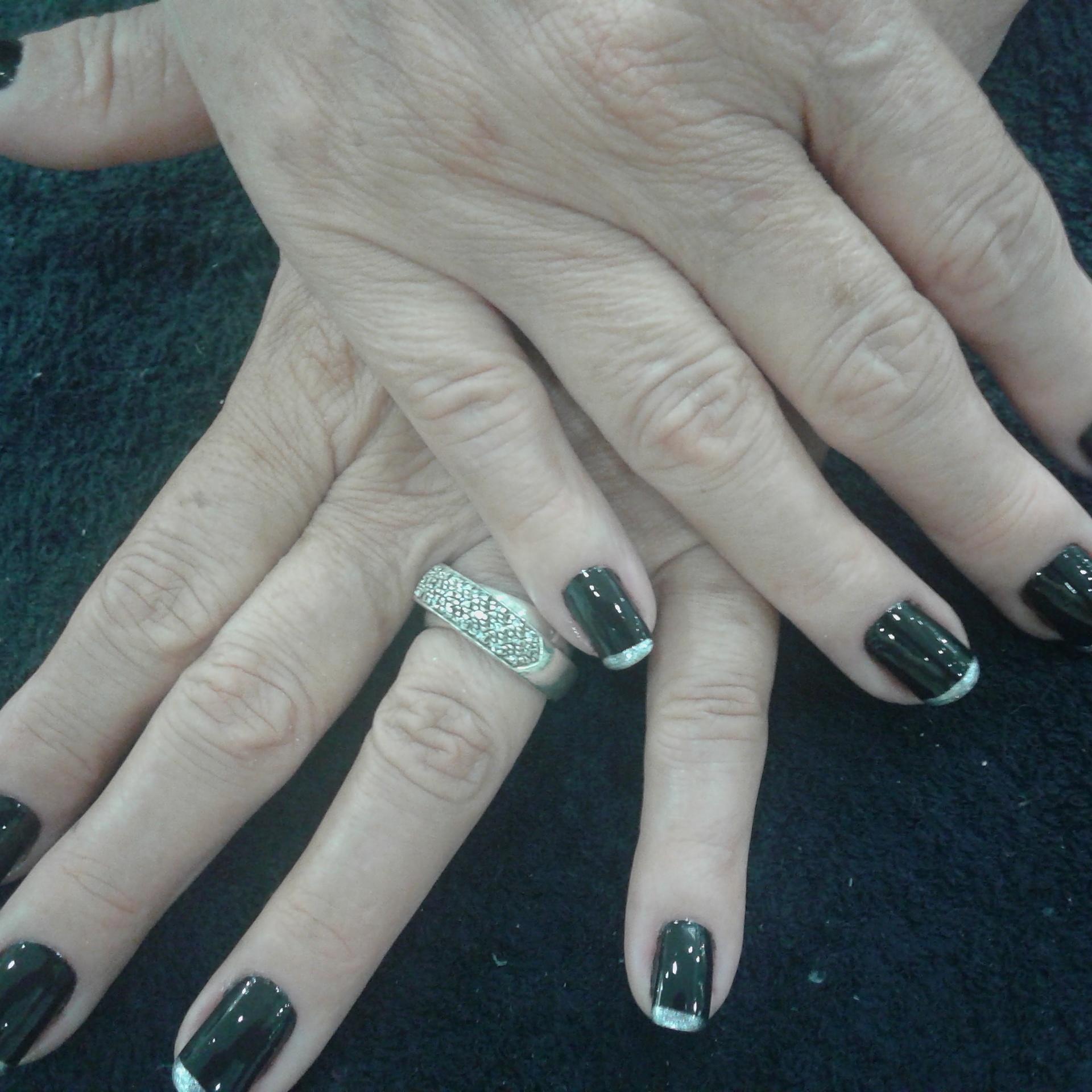 Black da colorama com francesinha na ponta prata ..... unha manicure e pedicure