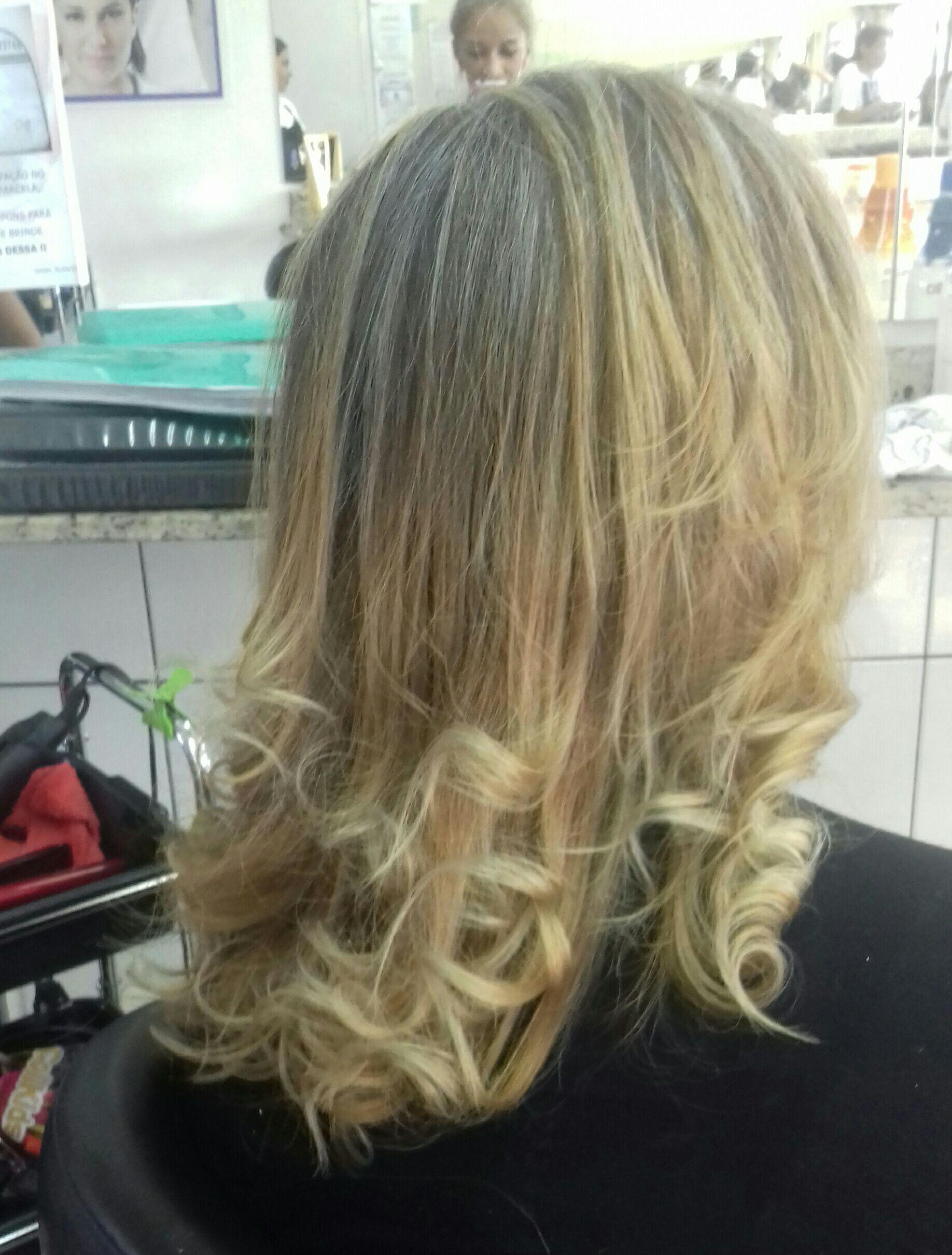 Retoque de Luzes + matização. cabelo auxiliar cabeleireiro(a) designer de sobrancelhas