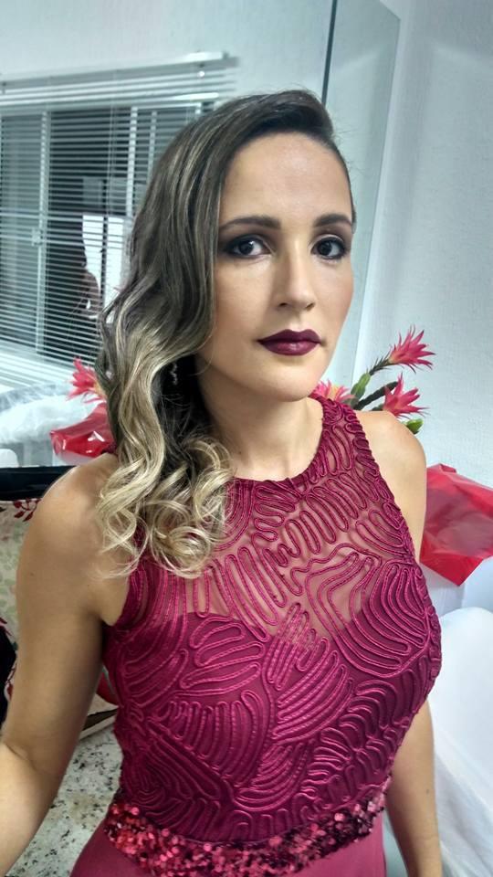 MADRINHA maquiagem maquiador(a) designer de sobrancelhas cabeleireiro(a)