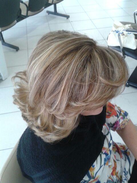 Escova Modelada cabelo cabeleireiro(a) auxiliar cabeleireiro(a) maquiador(a)