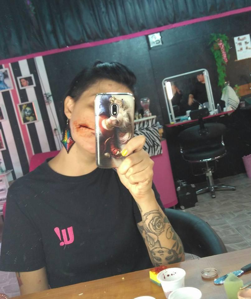 efeitos especiais maquiagem maquiador(a) designer de sobrancelhas cabeleireiro(a)