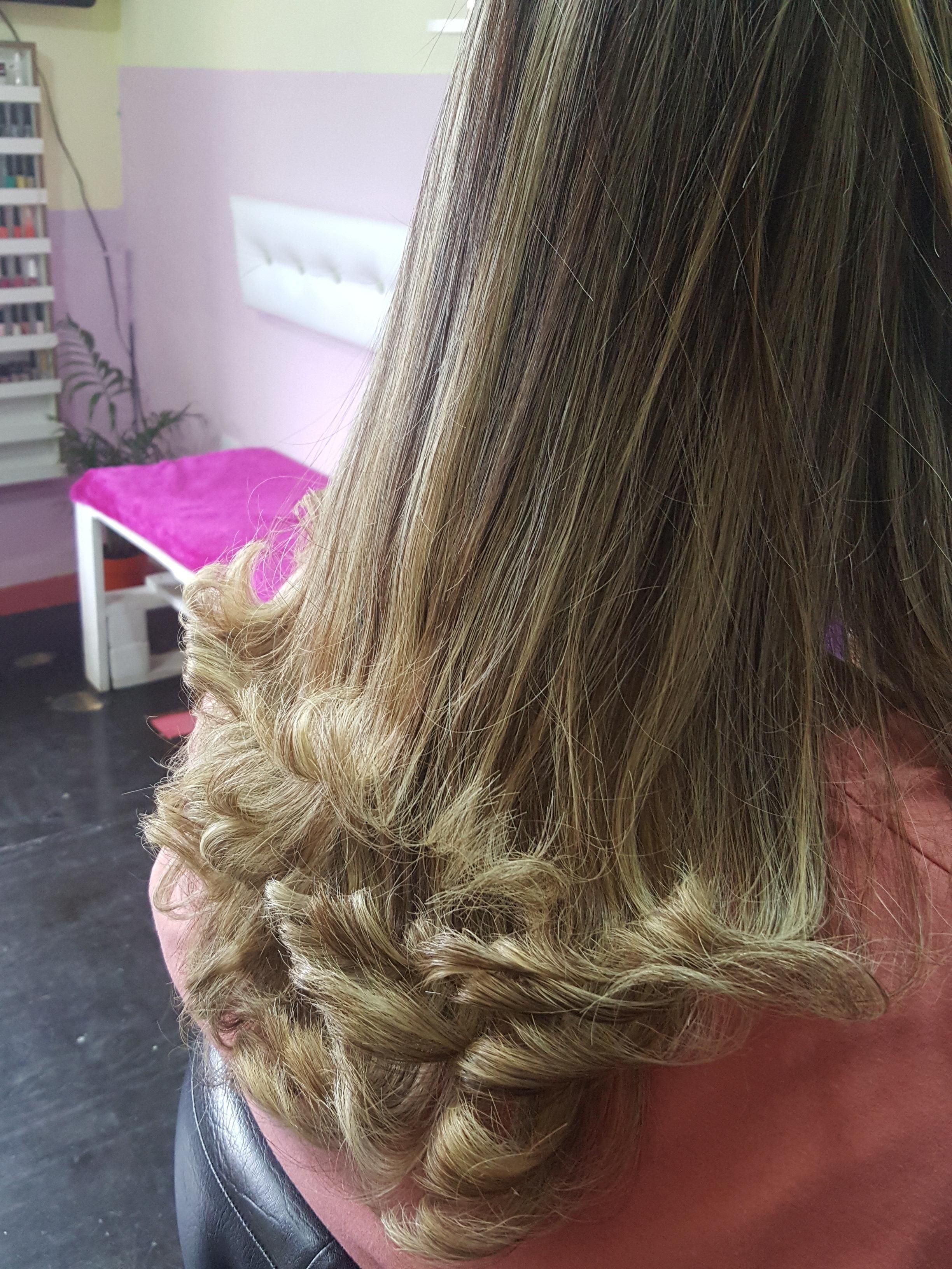 Luzes +Corte Degradê  cabelo cabeleireiro(a) manicure e pedicure micropigmentador(a)