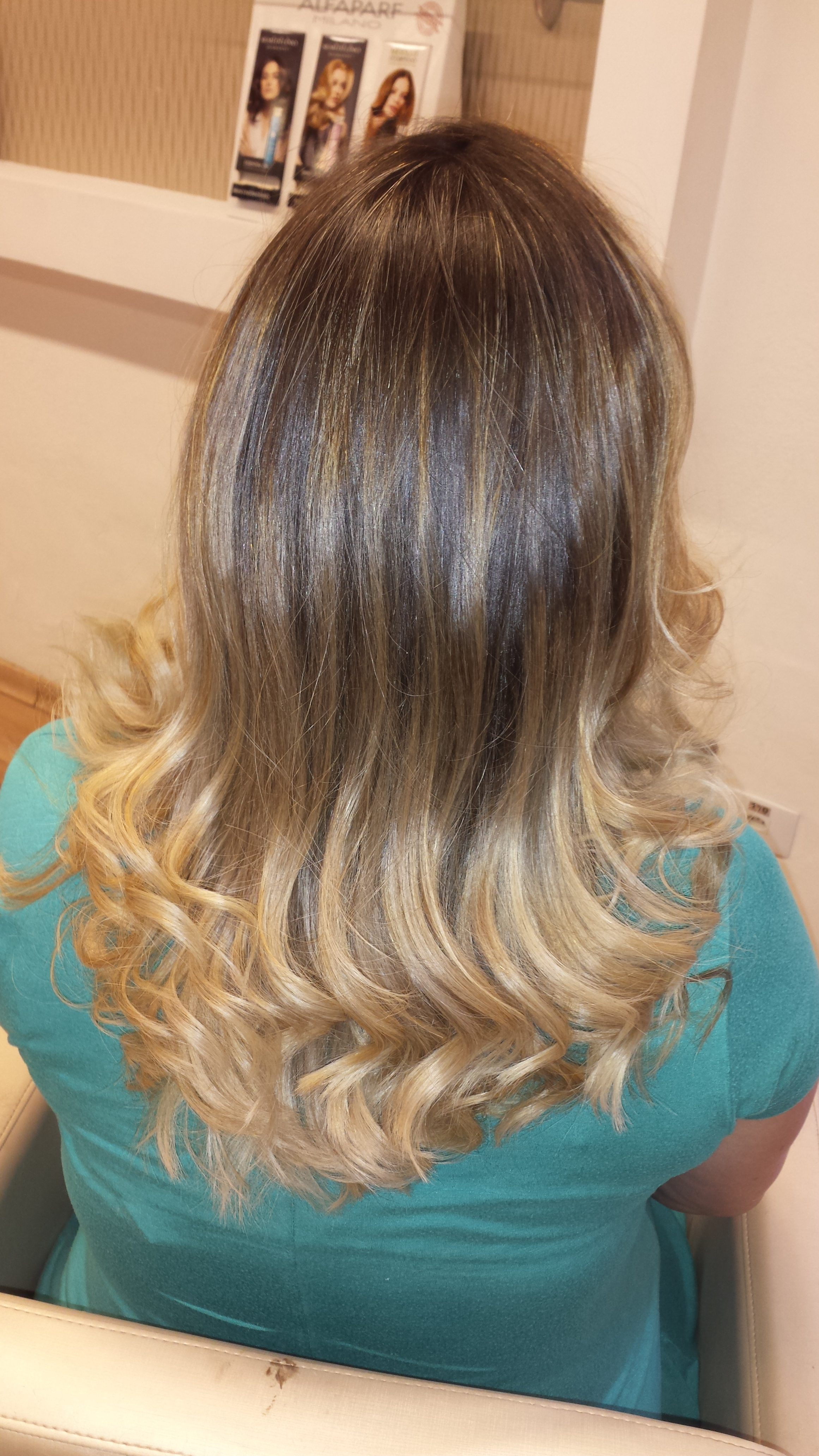#morena ultra iluminada cabeleireiro(a)