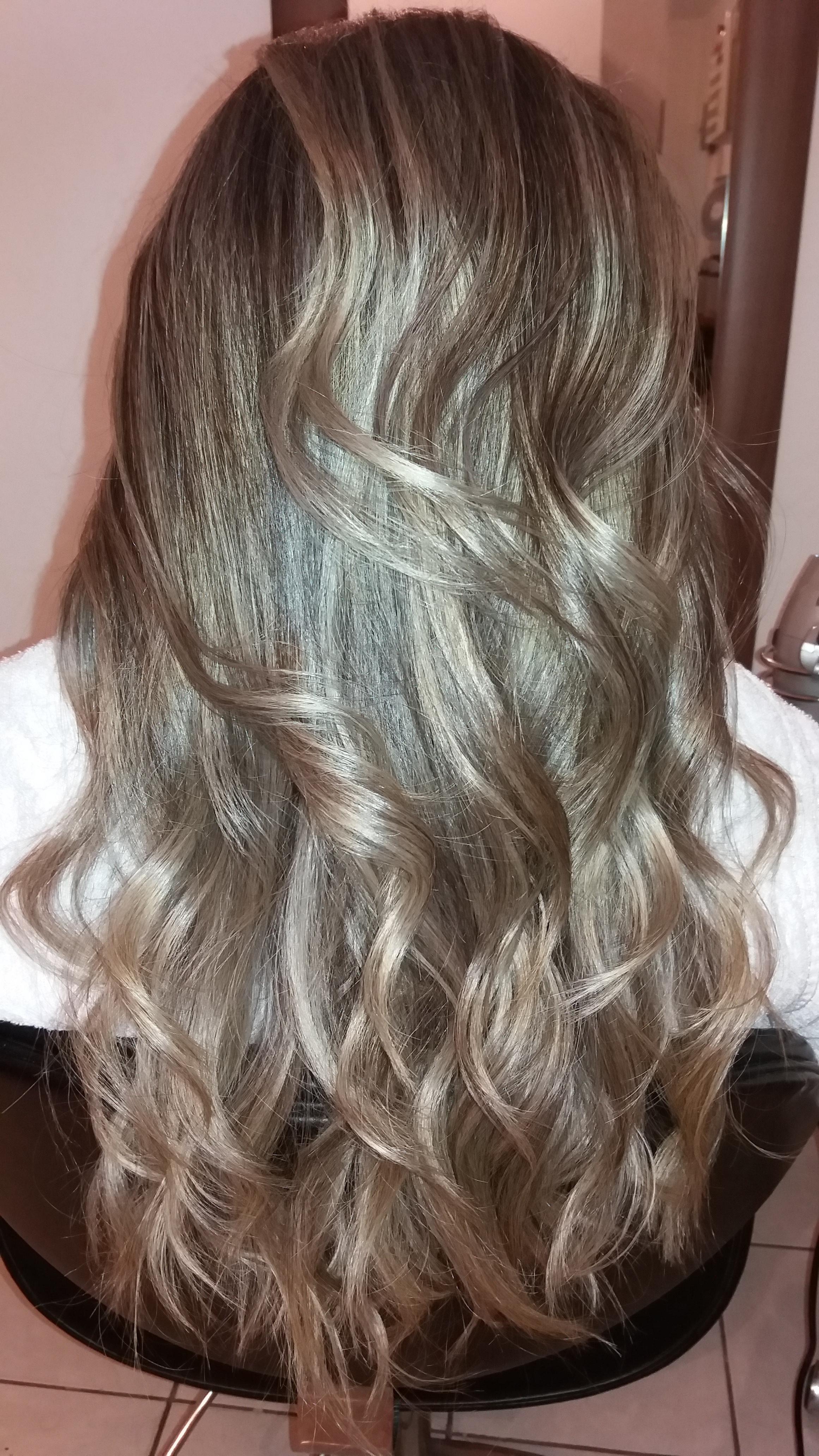 cabelo auxiliar cabeleireiro(a) cabeleireiro(a) auxiliar cabeleireiro(a)