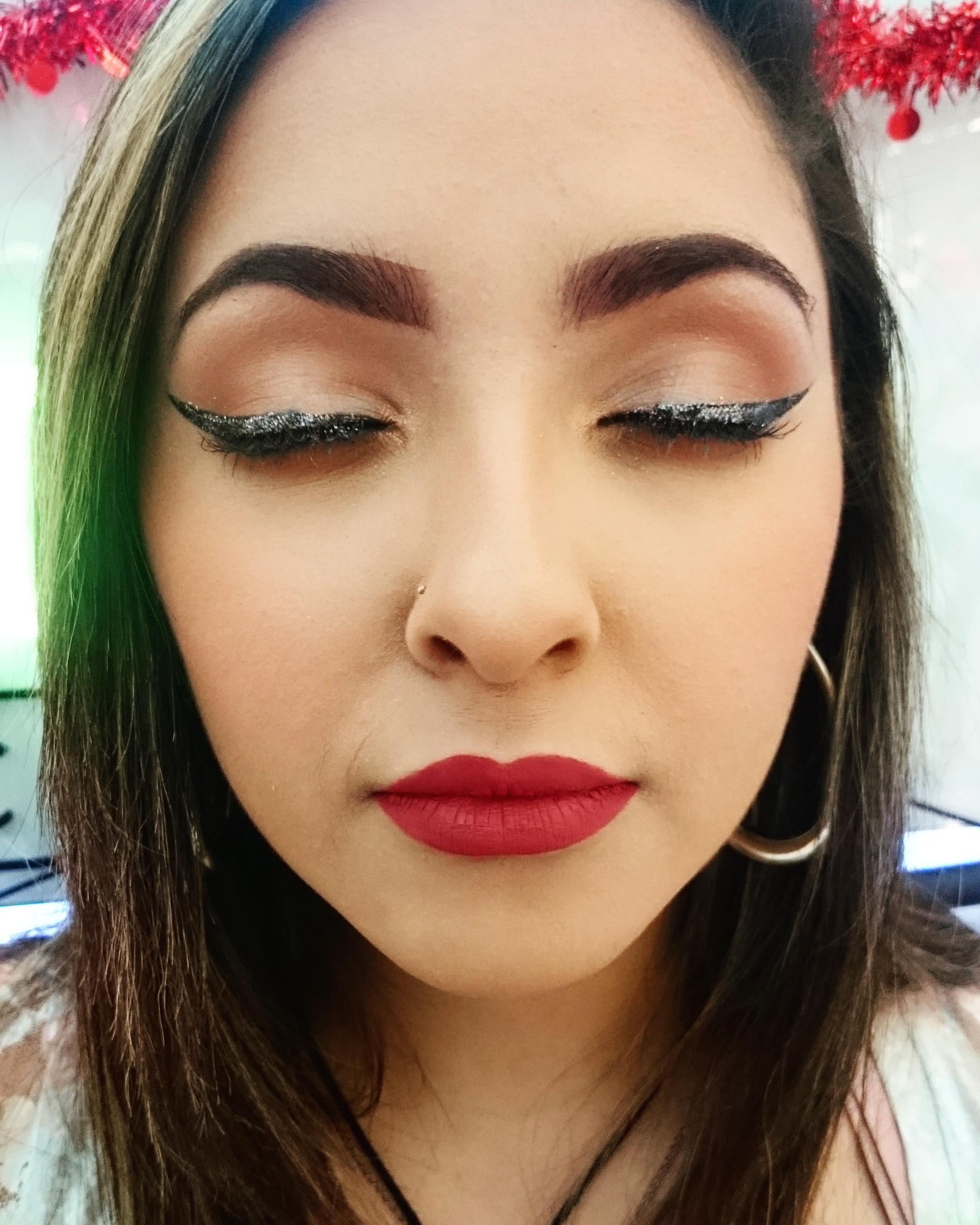 Cliente Dailus maquiada por mim.  maquiagem maquiador(a)