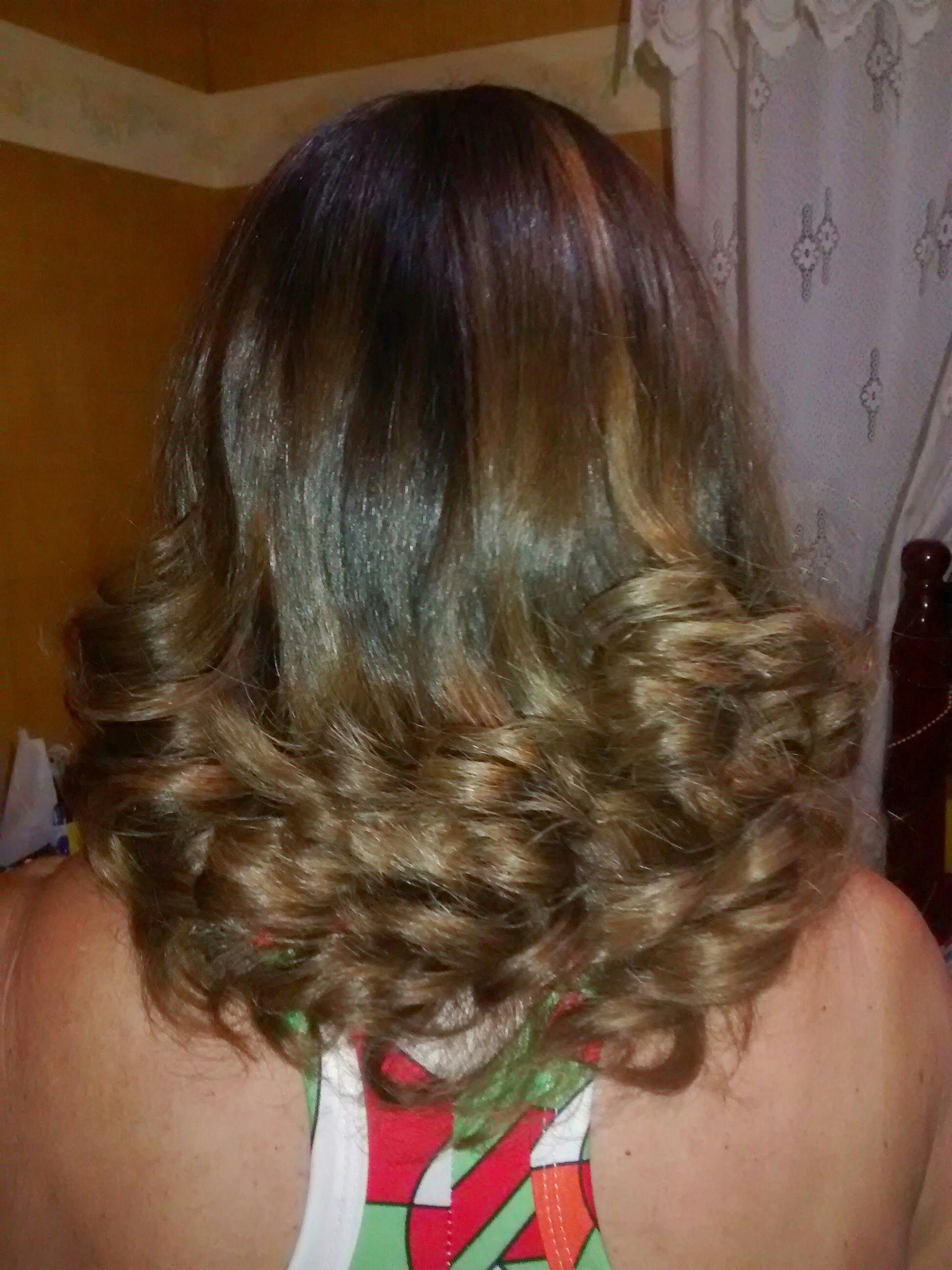 Luzes caramelo e  pontas trabalhadas cabelo cabeleireiro(a)