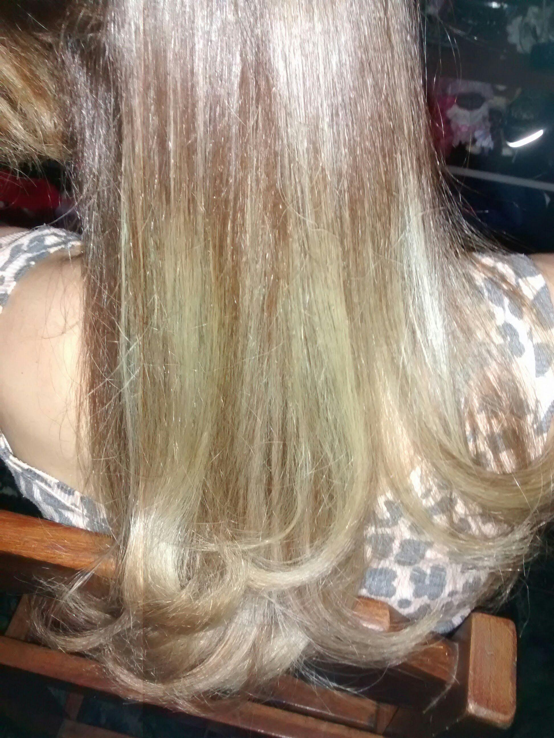 Luzes douradas .... cabelo cabeleireiro(a)