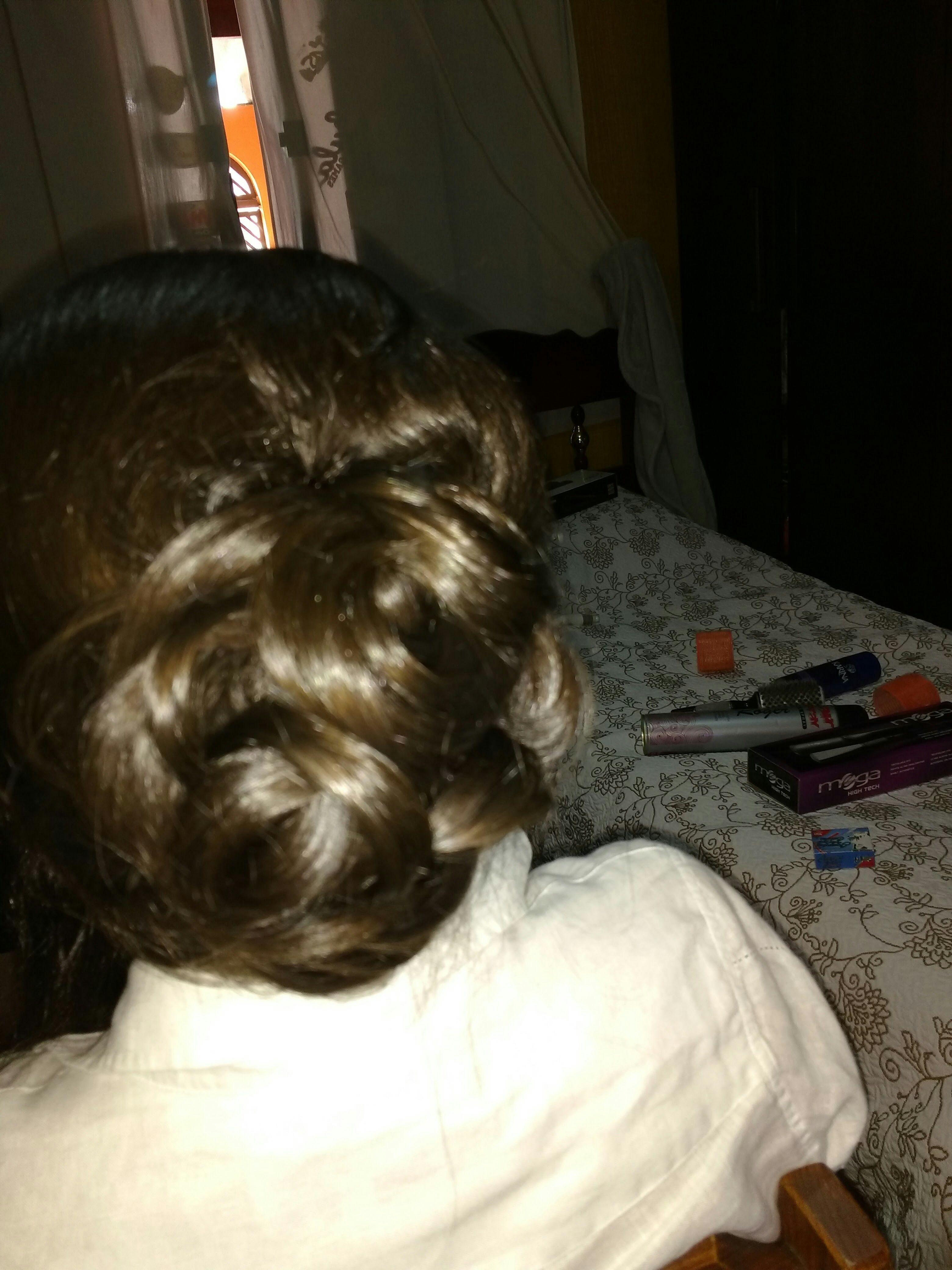 Coque arrojado , atendimento a domicílio ... cabeleireiro(a)