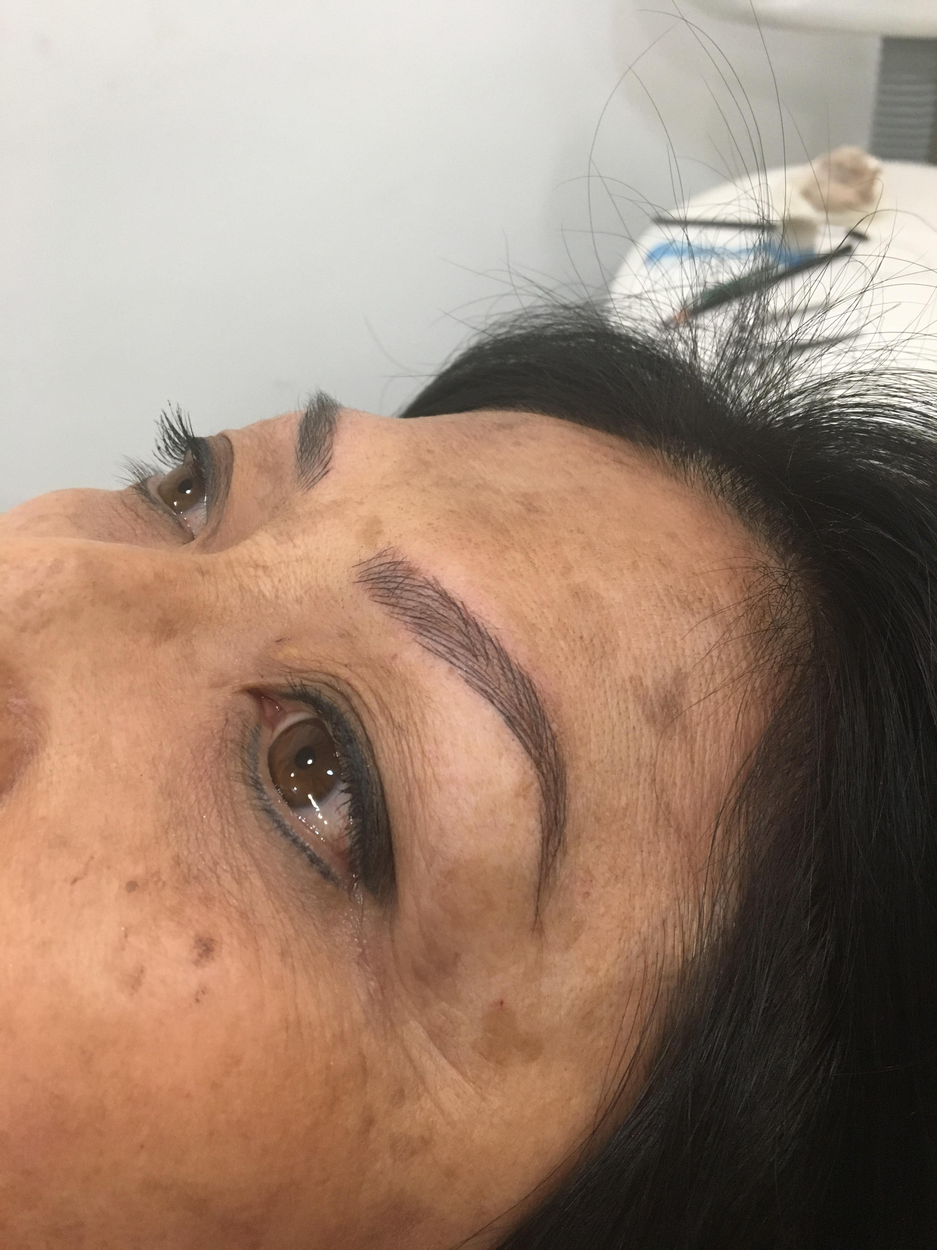 Microblanding  outros maquiador(a)
