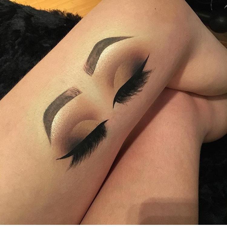 Croqui na perna  outros maquiador(a)