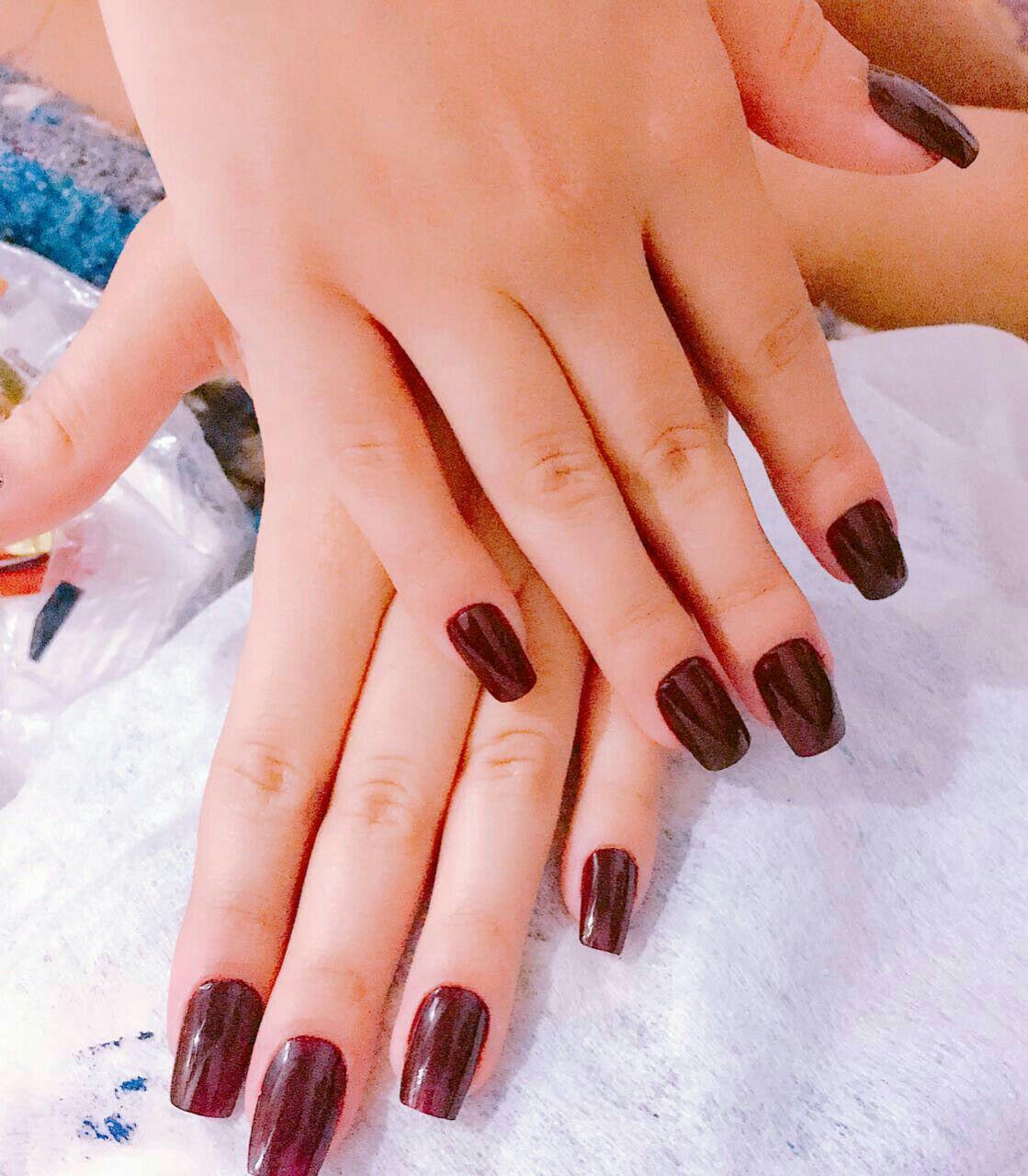 estudante (manicure)