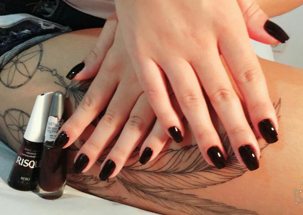unha estudante (manicure)