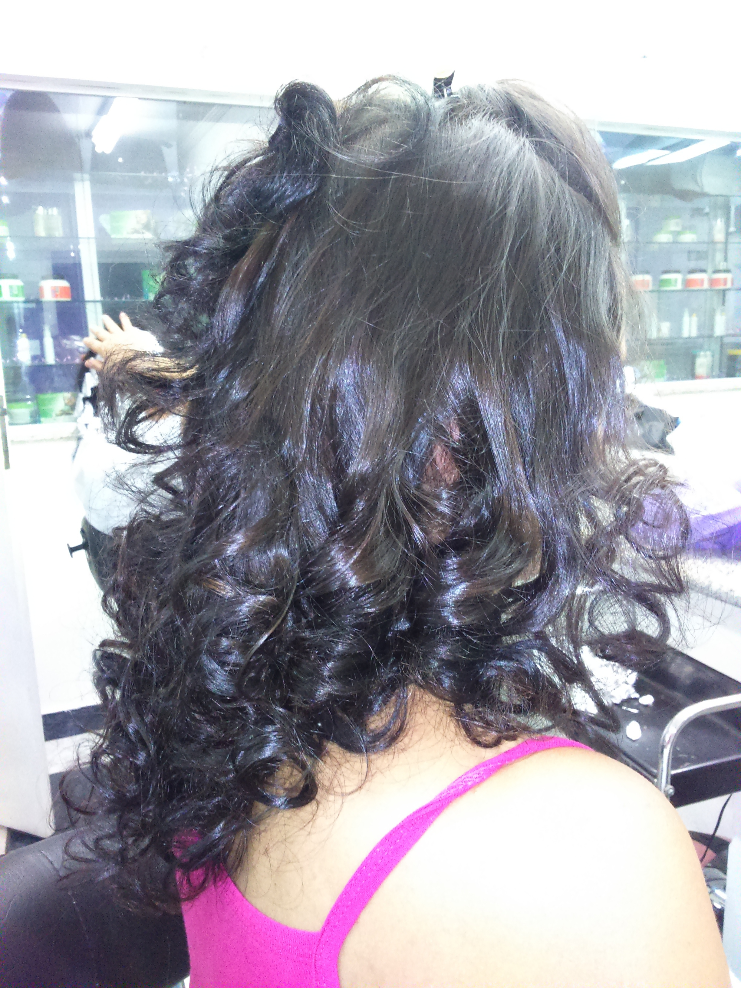 Cachos no papelote, ideal para penteados #cachos #papelote #penteados #escovamodelada cabelo auxiliar cabeleireiro(a) maquiador(a)
