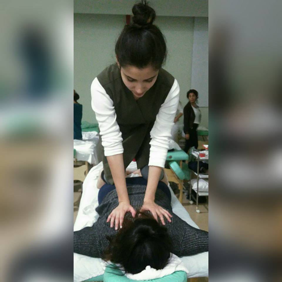 Massagem tailandesa. estética esteticista recepcionista designer de sobrancelhas maquiador(a)