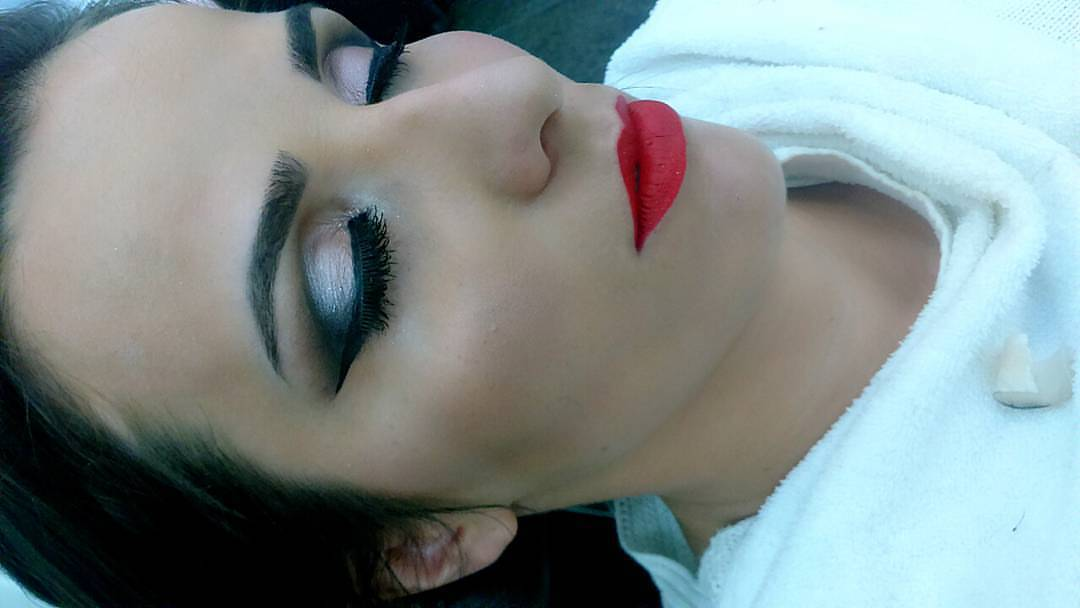 Maquiagem Madrinha de Formatura  maquiagem esteticista depilador(a) manicure e pedicure maquiador(a)