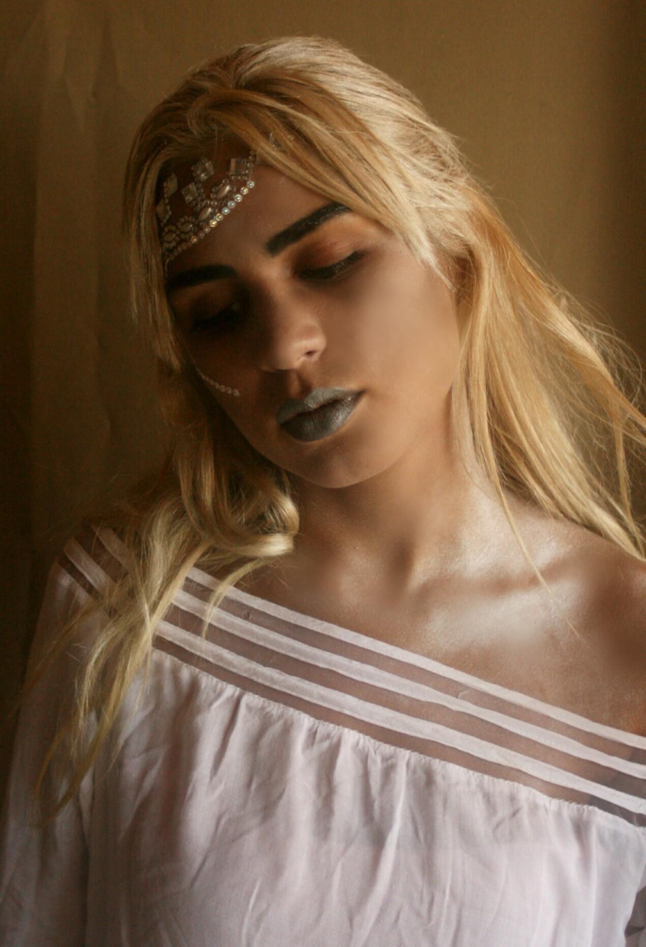 Rainha Branca  #makeup #conceptualmakeup #maquiagemconceitual #maquiagem maquiagem maquiador(a)