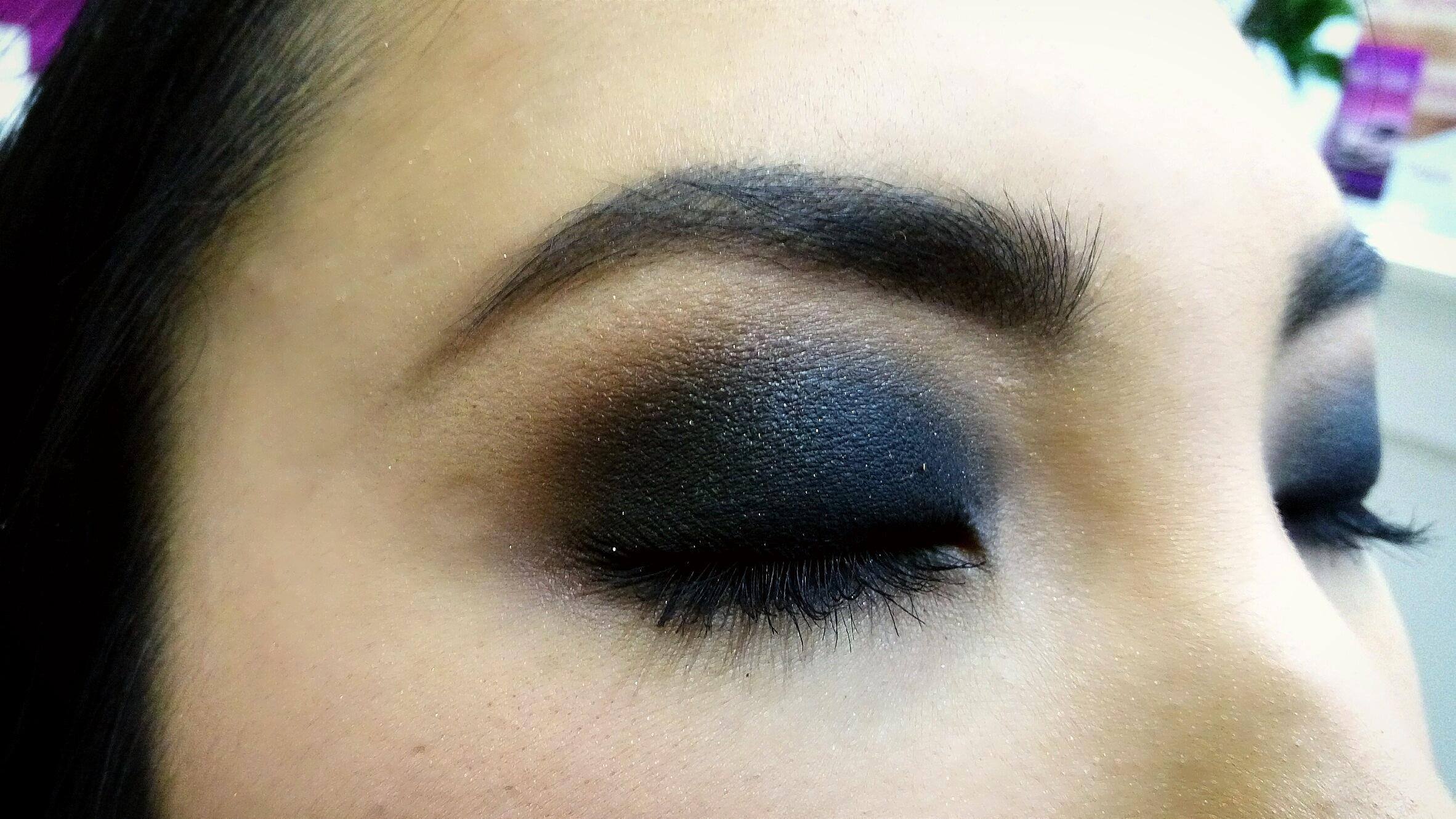 #makeup #conceptualmakeup #maquiagemconceitual #maquiagem #olhosesfumados #olhoriental #esfumado preto #casamento #noivas #madrinhas maquiagem maquiador(a)