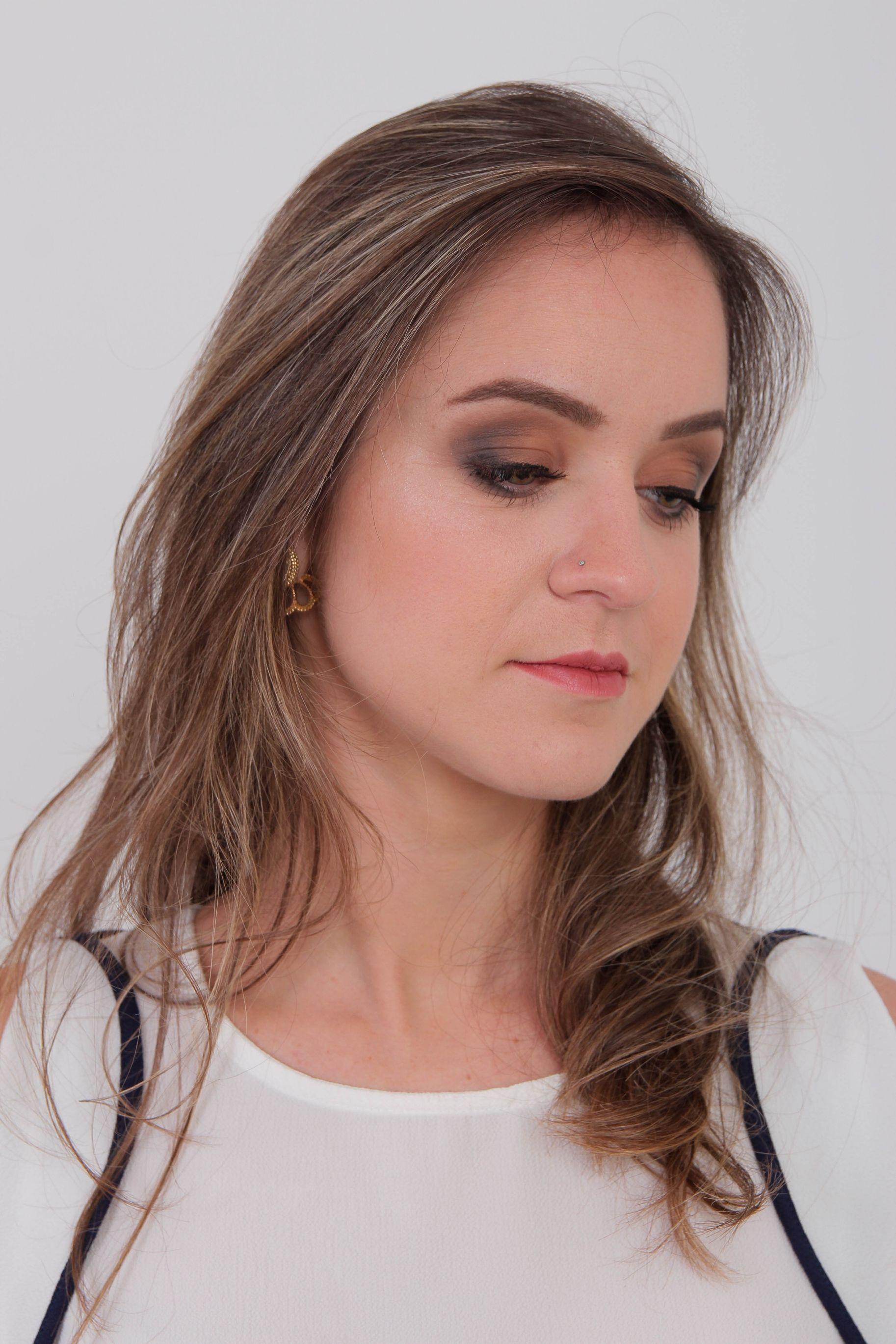 Maquiagem para portfólio profissional da cliente. maquiagem maquiador(a) designer de sobrancelhas