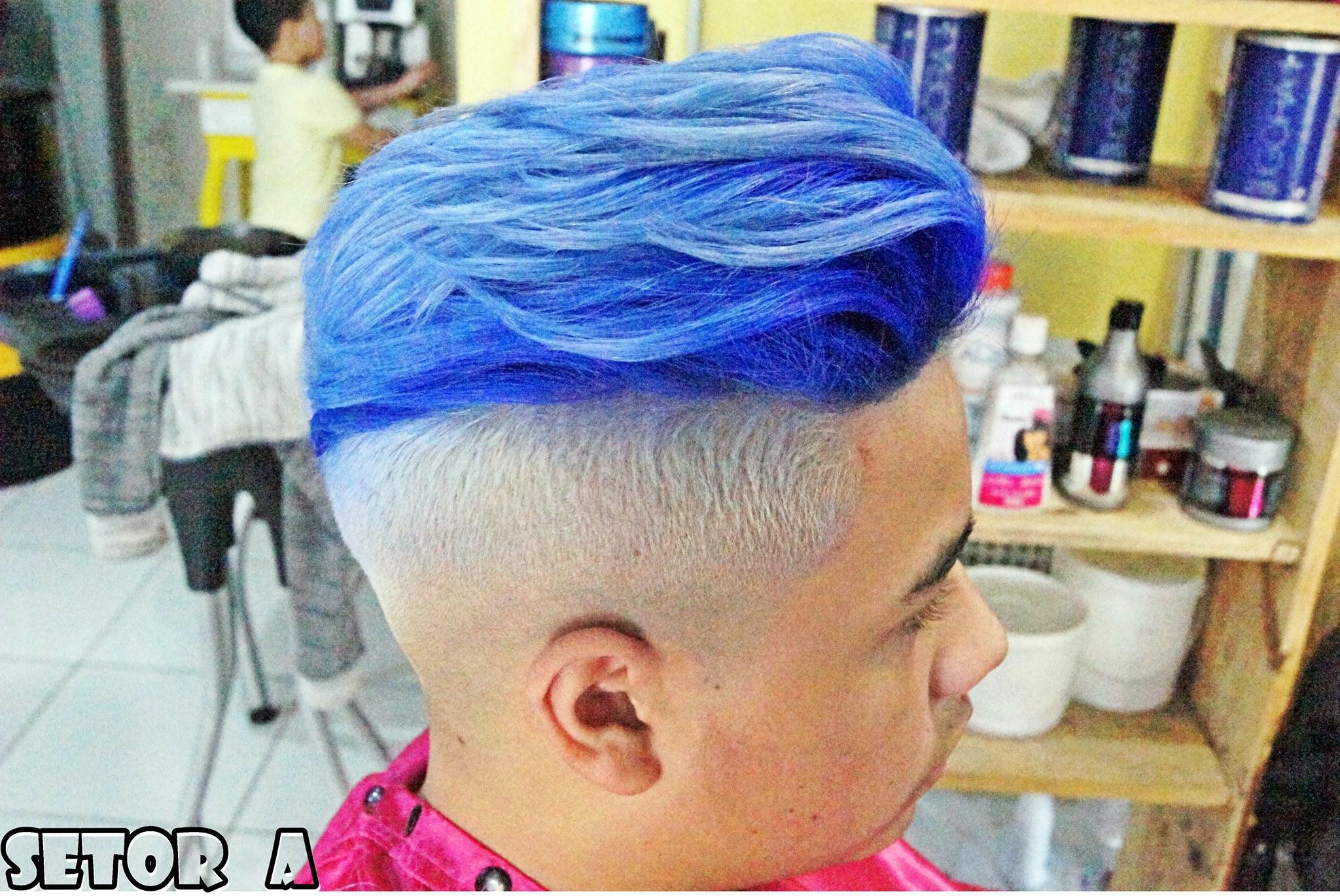 Blue hair cabelo auxiliar administrativo