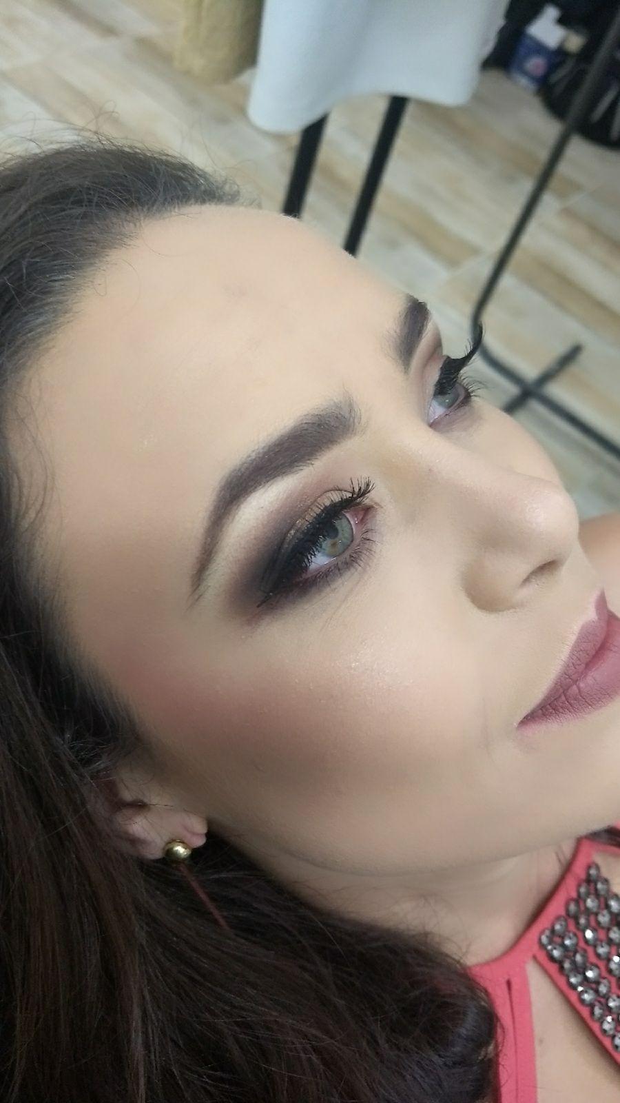 Maquiagem para o dia maquiagem maquiador(a) designer de sobrancelhas