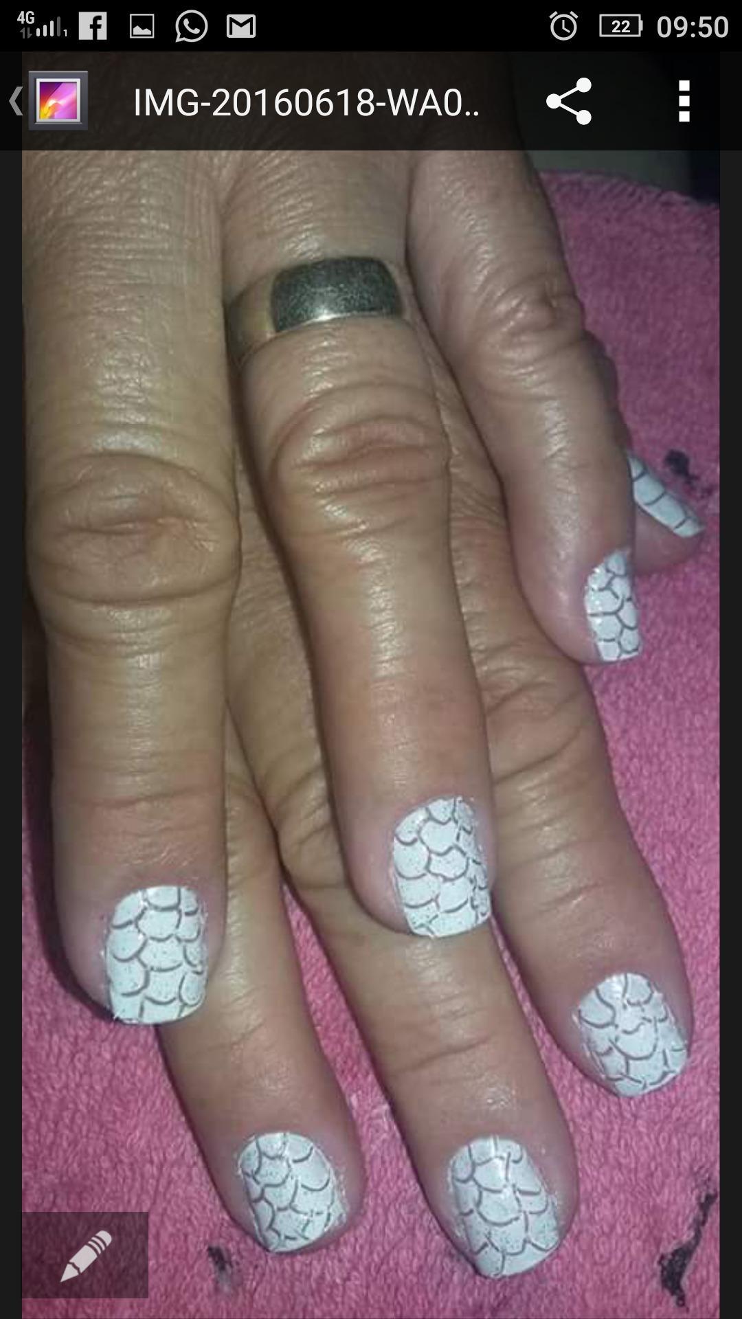 Craquelê unha auxiliar cabeleireiro(a) escovista manicure e pedicure