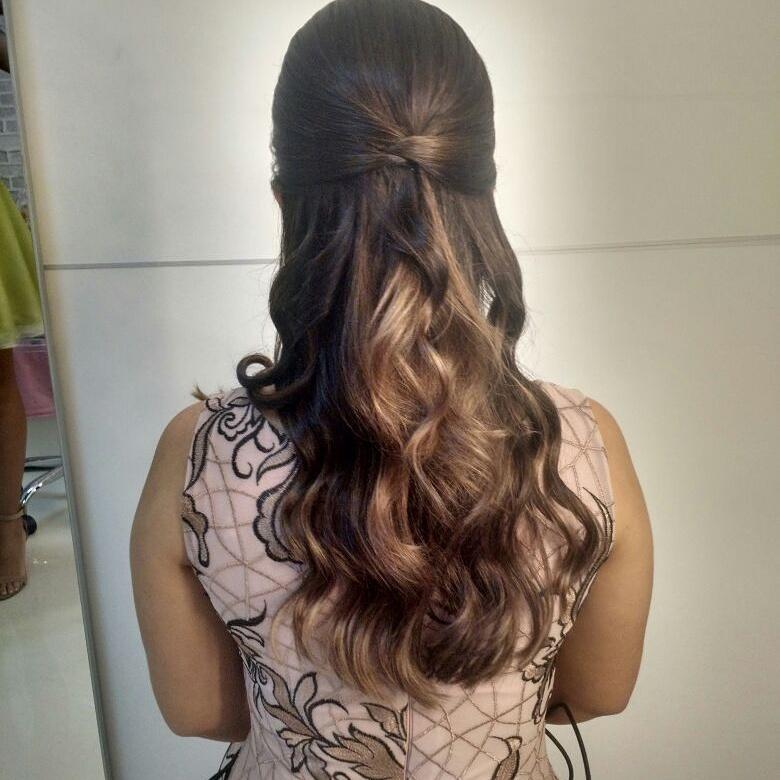 Penteado por @Nyllabrittomake #penteadosimpleselindo Agendamentos 91 982132984  cabelo maquiador(a)