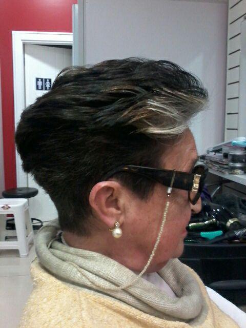 coloração! corte curto e estilizado! cabelo cabeleireiro(a) maquiador(a) depilador(a) gerente consultor(a)