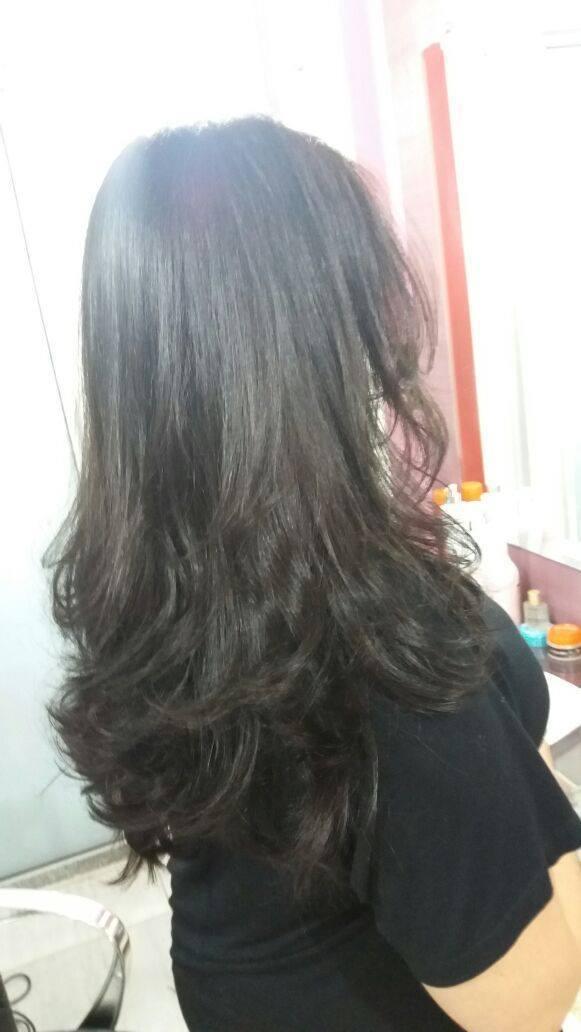 Corte em camadas mais movimento!  cabelo cabeleireiro(a) maquiador(a) depilador(a) gerente consultor(a)