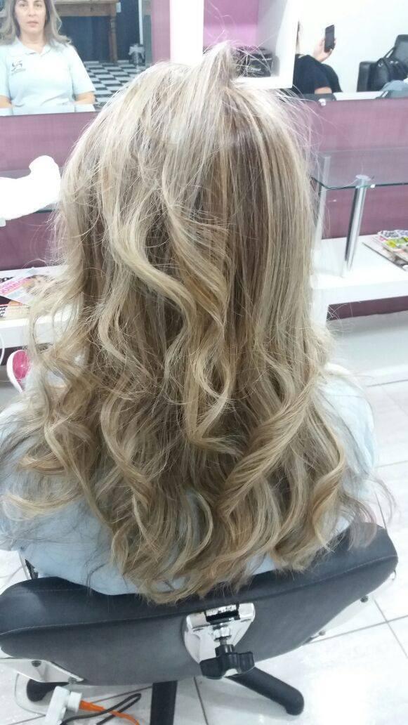 Mechas Bege  cabelo cabeleireiro(a) maquiador(a) depilador(a) gerente consultor(a)
