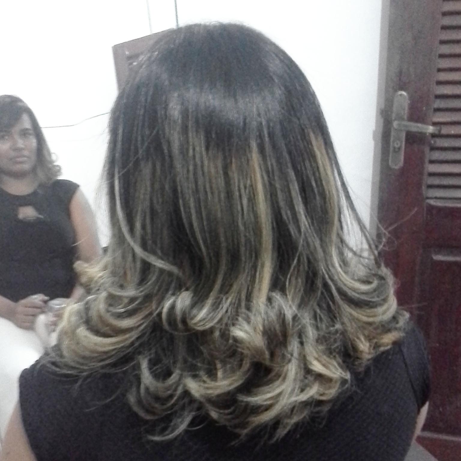 Californianas Em Morena cabelo cabeleireiro(a) maquiador(a) empresário(a)