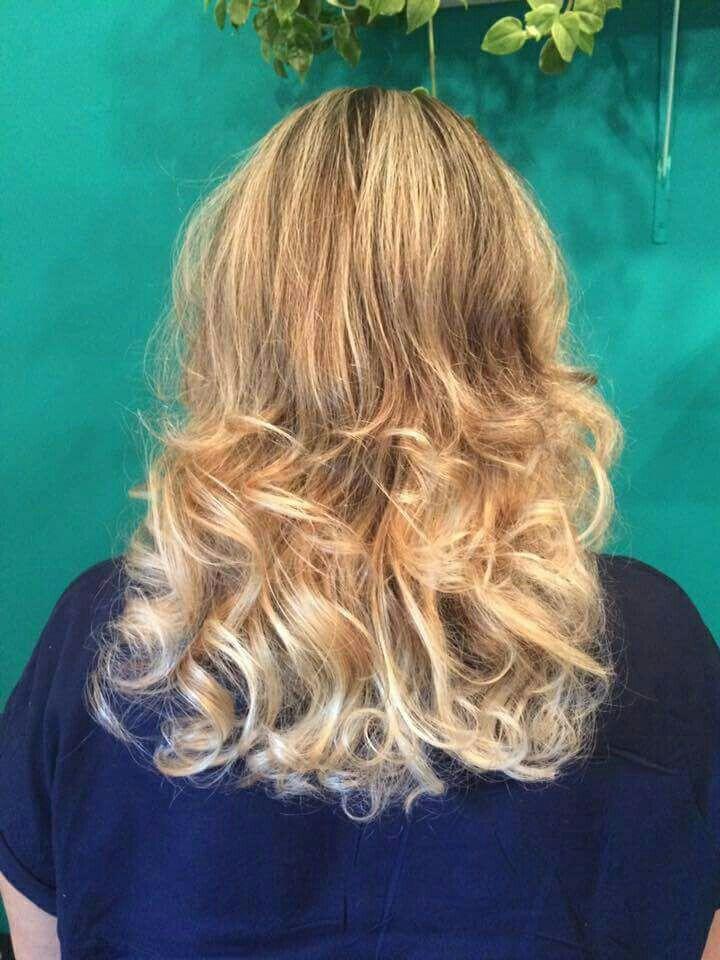 Ombre e reflexo cabelo auxiliar cabeleireiro(a) auxiliar cabeleireiro(a) auxiliar cabeleireiro(a) auxiliar cabeleireiro(a)