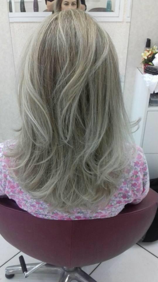 Mechas e corte! cabelo cabeleireiro(a) maquiador(a) depilador(a) gerente consultor(a)