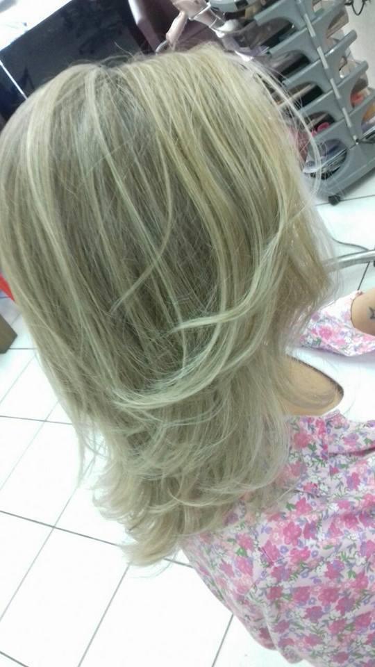 Mechas e corte !  cabelo cabeleireiro(a) maquiador(a) depilador(a) gerente consultor(a)