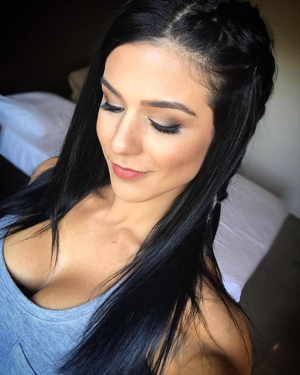 Musa Fitness Eva Andressa maquiagem maquiador(a) designer de sobrancelhas micropigmentador(a) cabeleireiro(a)